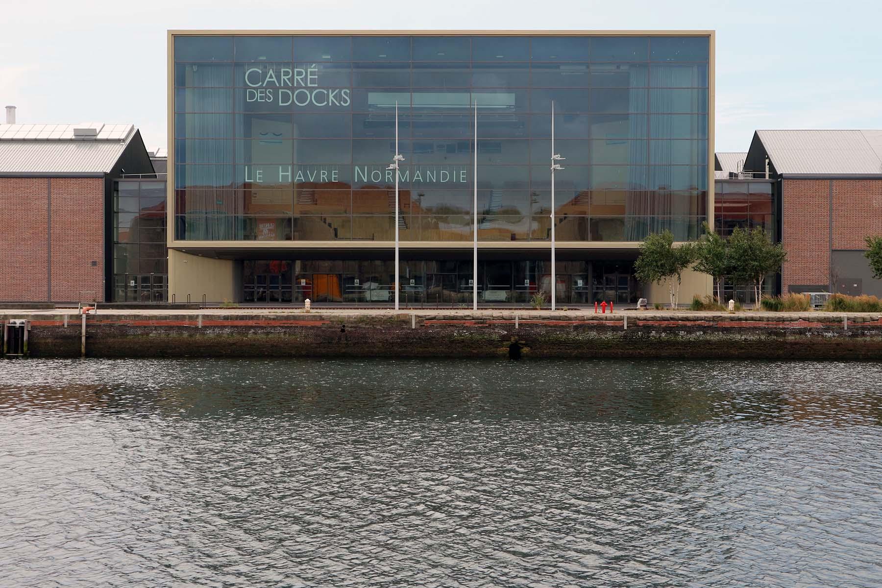 Parcours Les Bassins.  Ein weiteres Highlight das Kongresszentrum Carré des Docks von Paul Andreu und Thomas Richez.