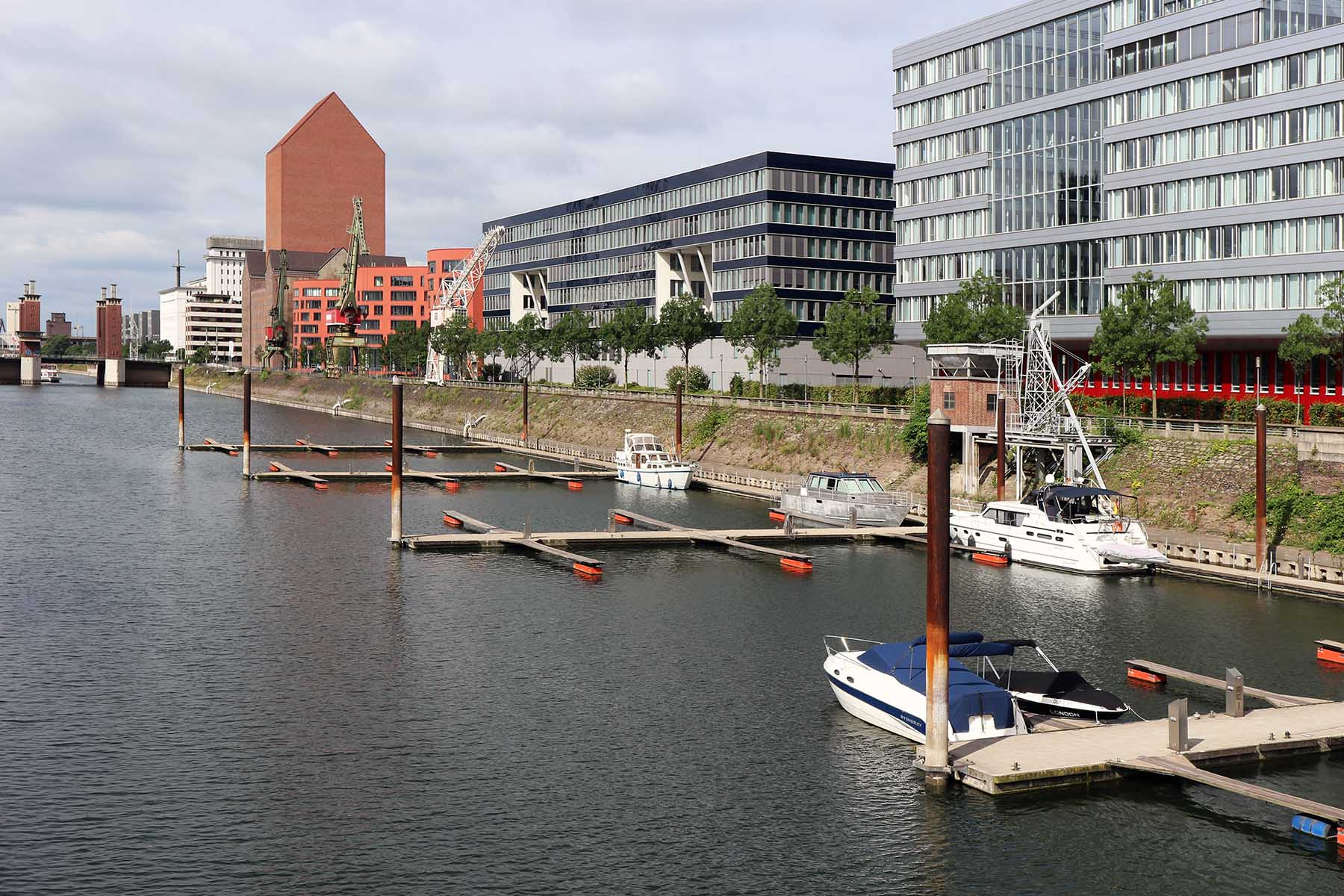 Innenhafen Duisburg.  The Marina with the Landesarchiv NRW, the state archive of North Rhine Westphalia, by Ortner & Ortner Baukunst.