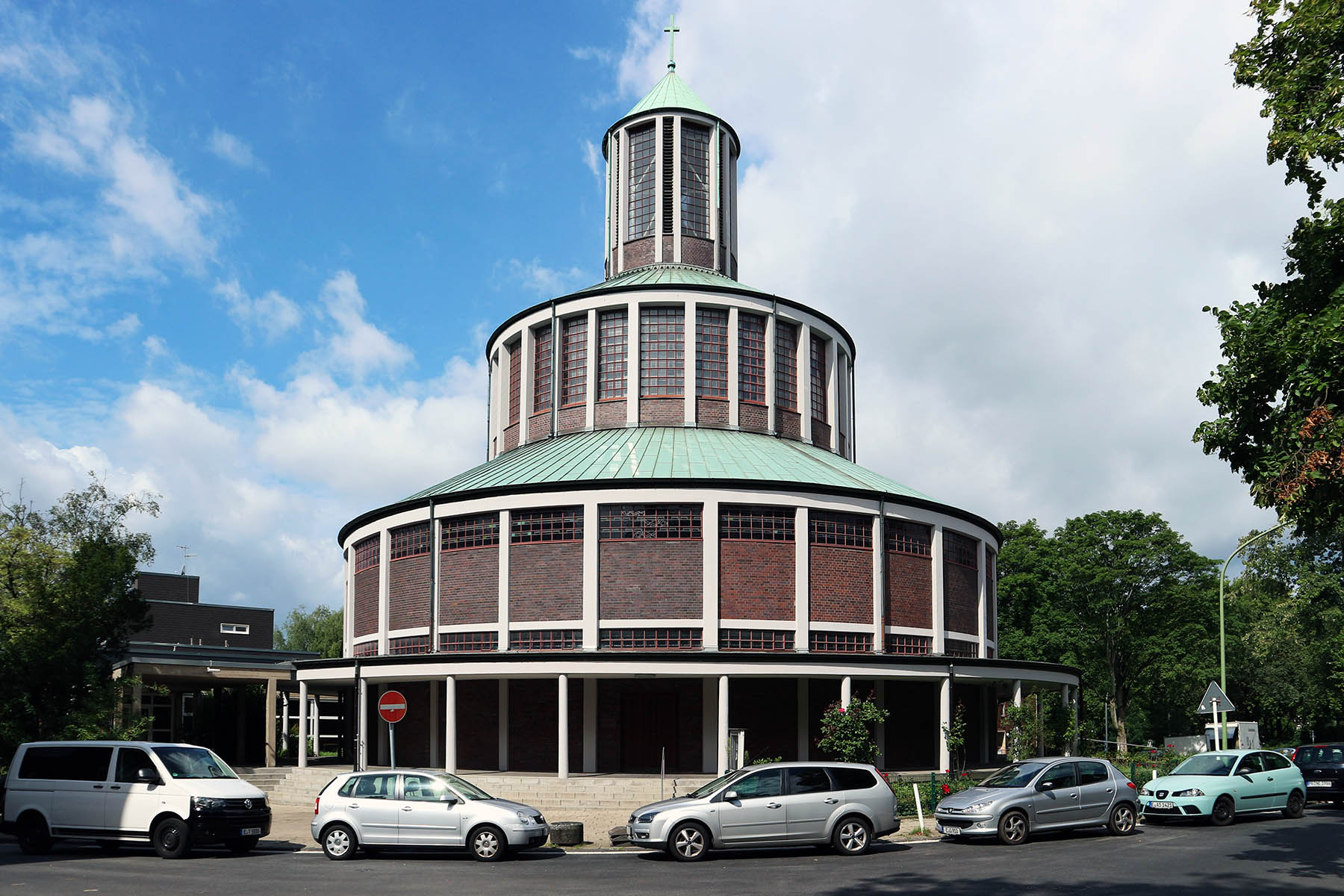 Evangelische Auferstehungskirche (Evangelical Church of the Resurrection).  By Otto Bartning. Completion: 1930. Steubenstraße 52, 45138 Essen