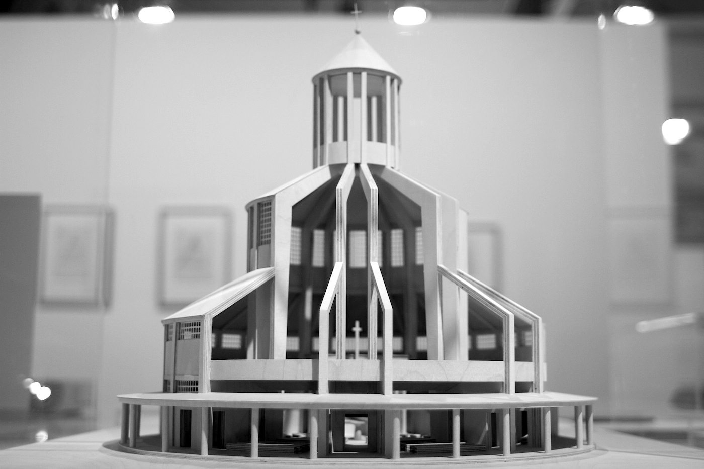 Evangelische Auferstehungskirche (Evangelical Church of the Resurrection).  Model, 2006, Andrea Jensen, Stiftung Deutsches Historisches Museum