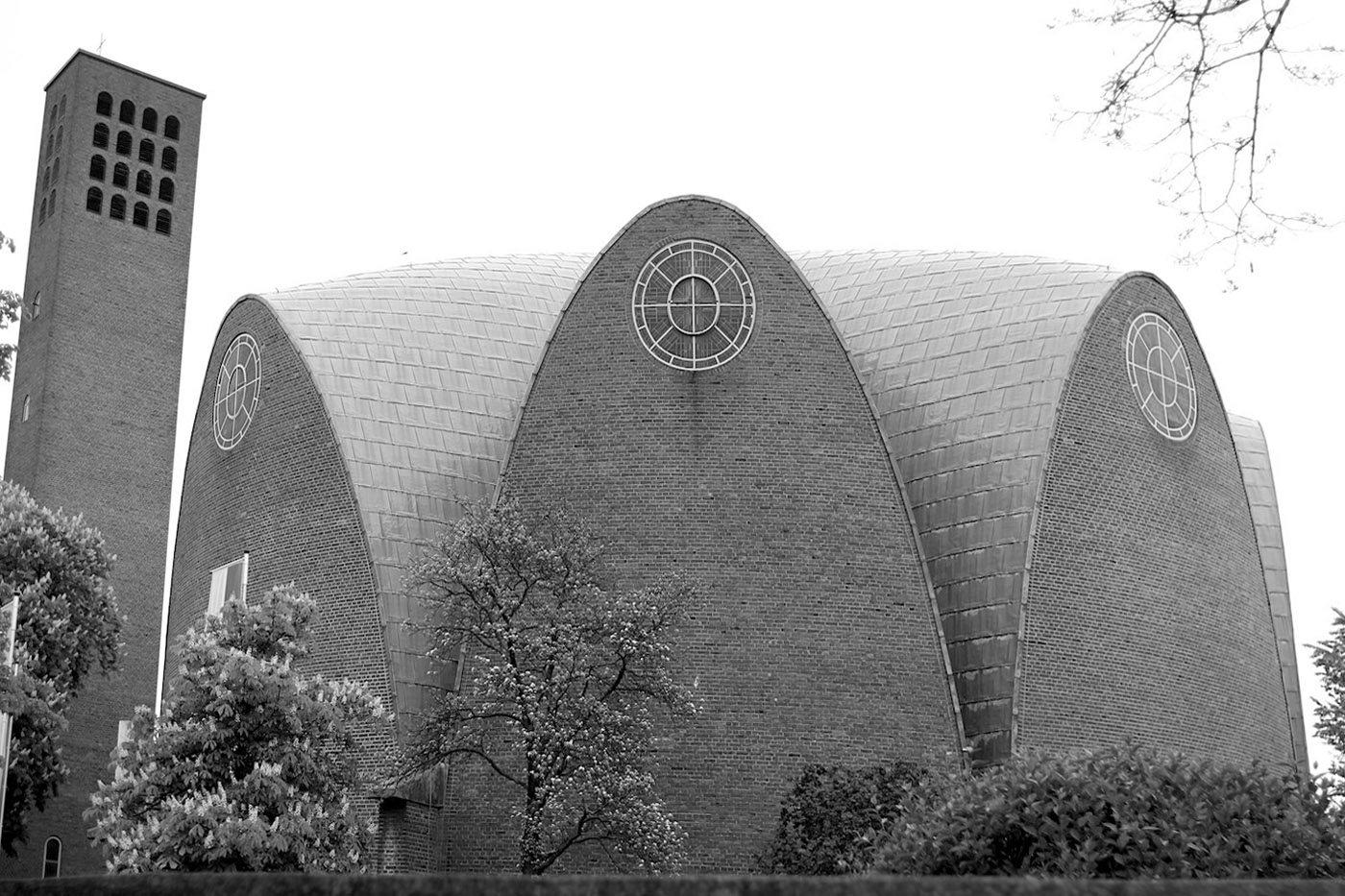 St. Engelbert.  Parabola and campanile