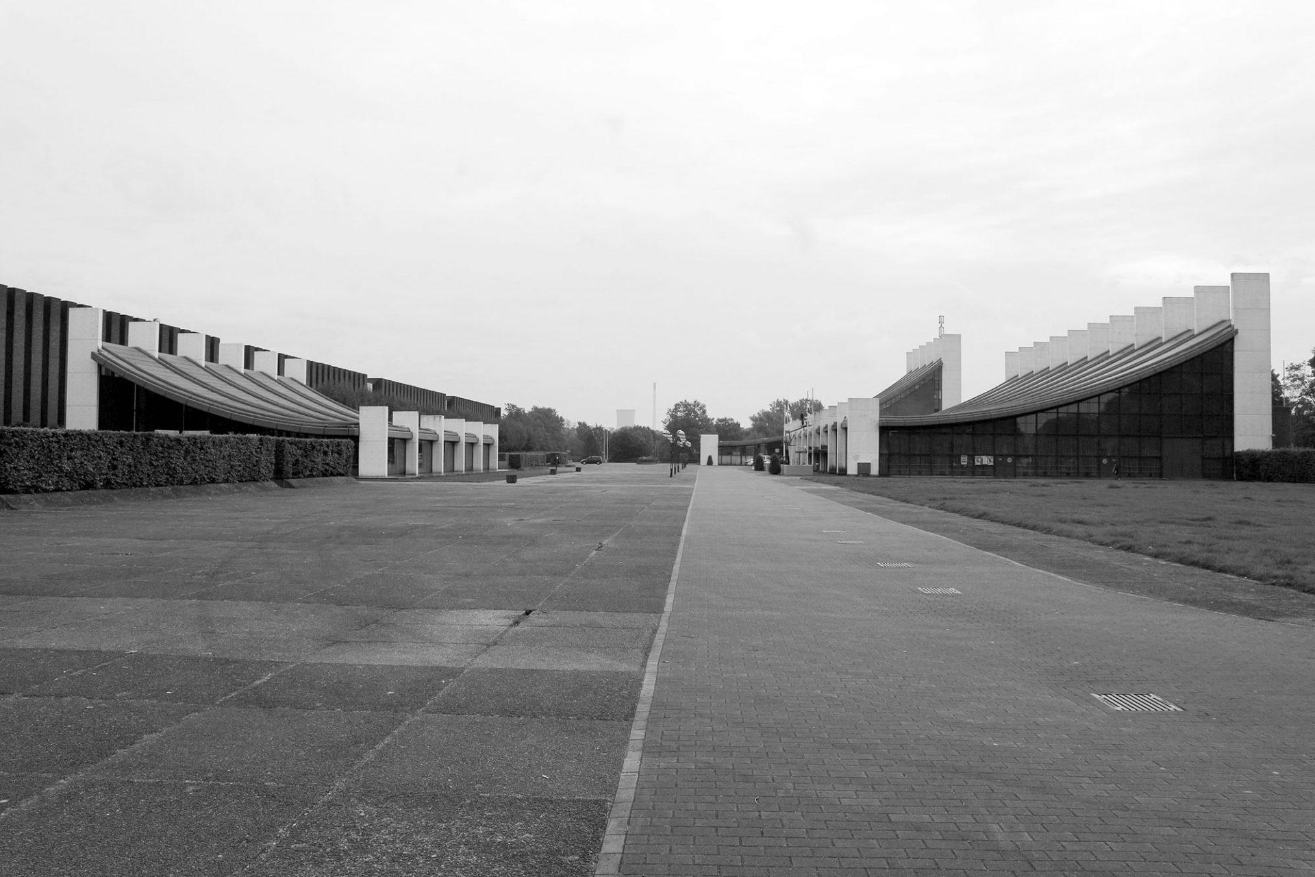 Forum Europaplatz. von Arne Jacobsen und Otto Weitling. Eine Verschmelzung von Stadt und Natur. Fertigstellung: 1976.