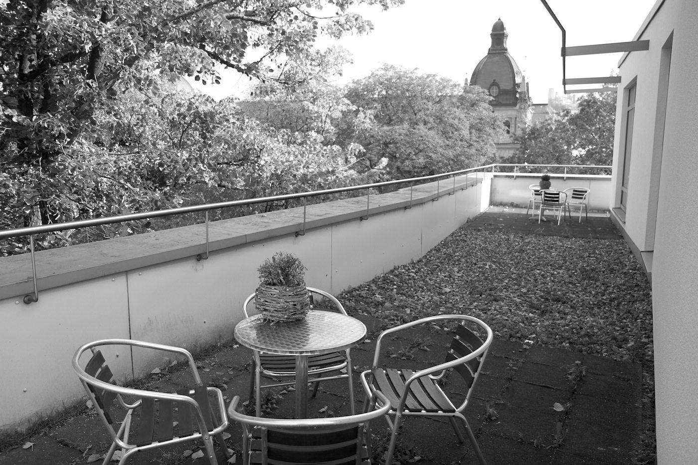 Vienna House Easy Wuppertal. Ausblick auf die historische Stadthalle