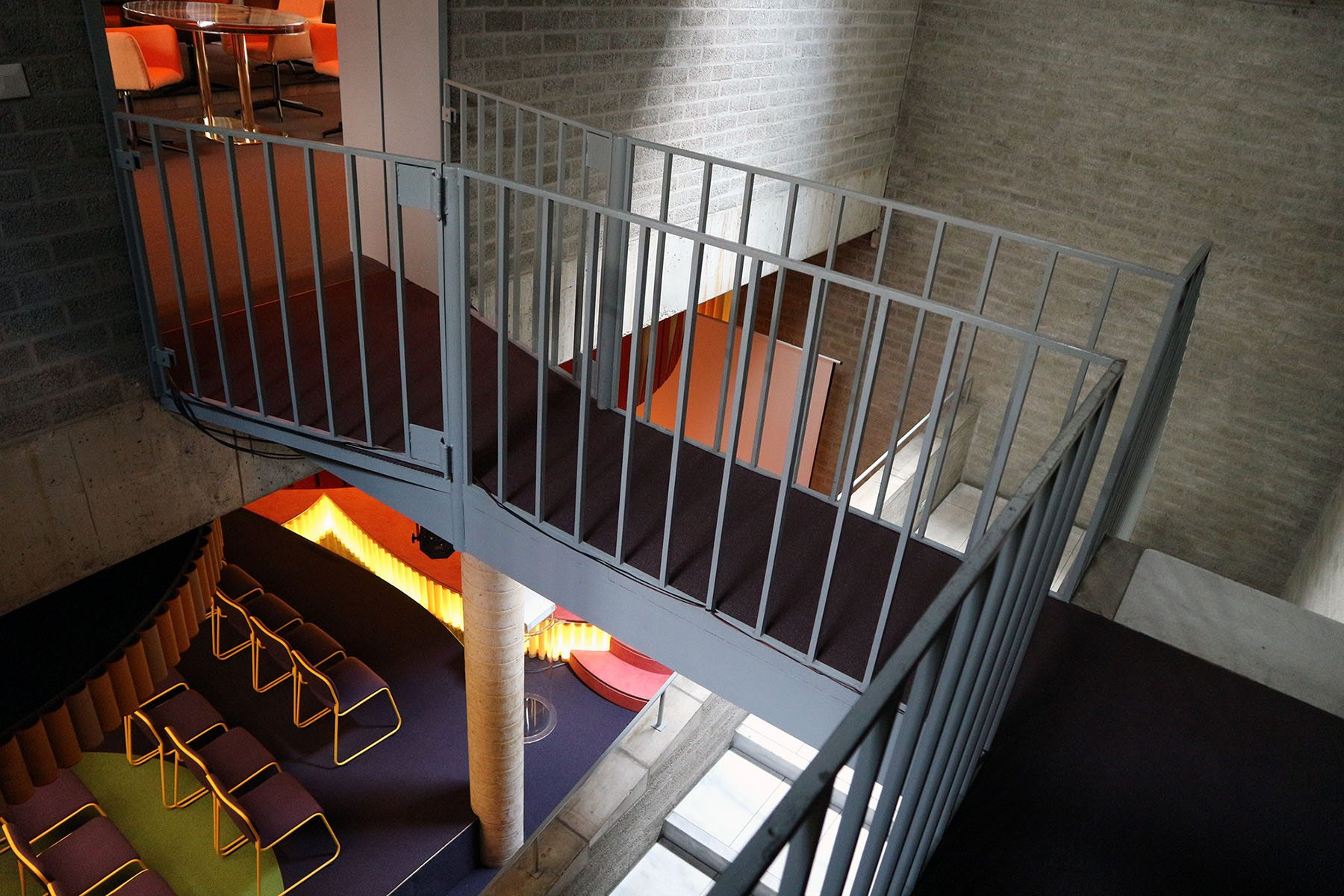 Ein Set für das Schmela Haus. Bar und Saal..  Von Andreas Schmitten, 2013