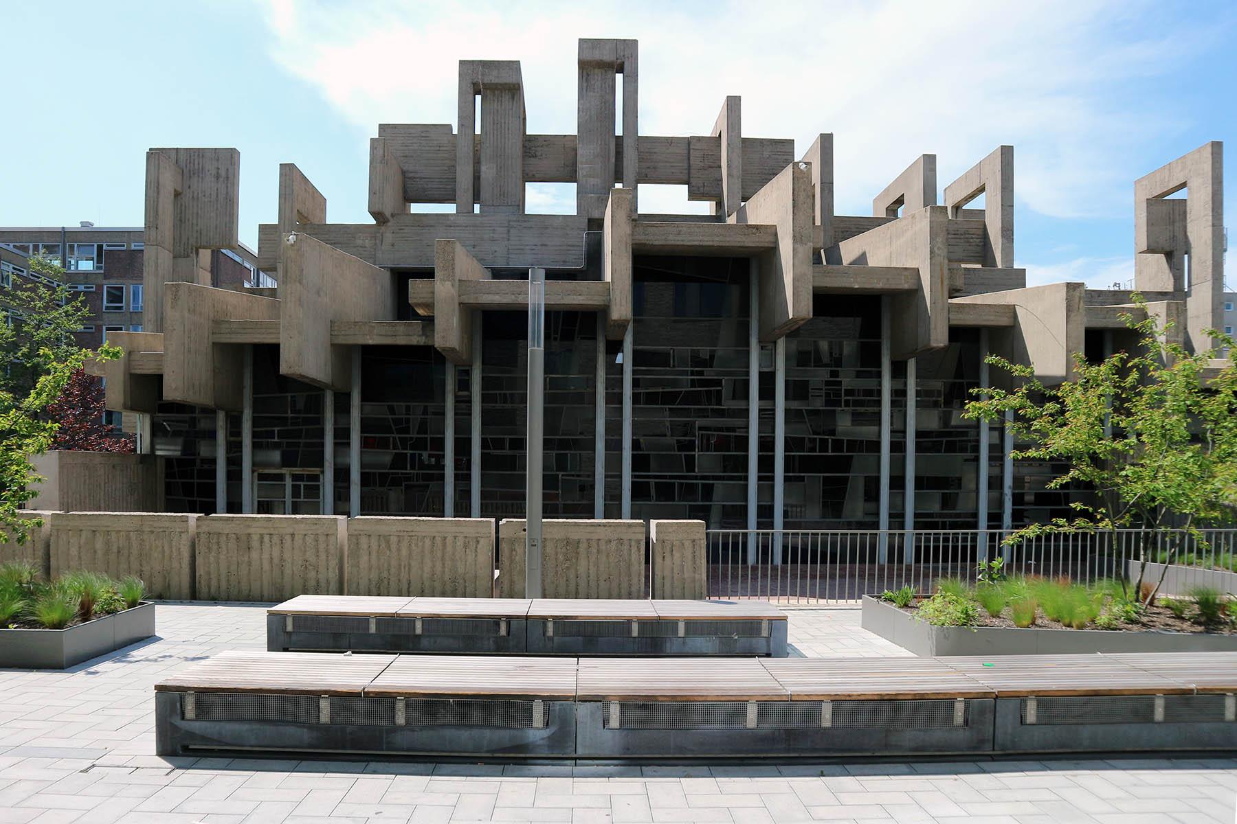 Kirche der katholischen Hochschulgemeinde. Heinz Buchmann und Josef Rikus. Baujahr: 1969. Berrenrather Str. 127, 50937 Köln