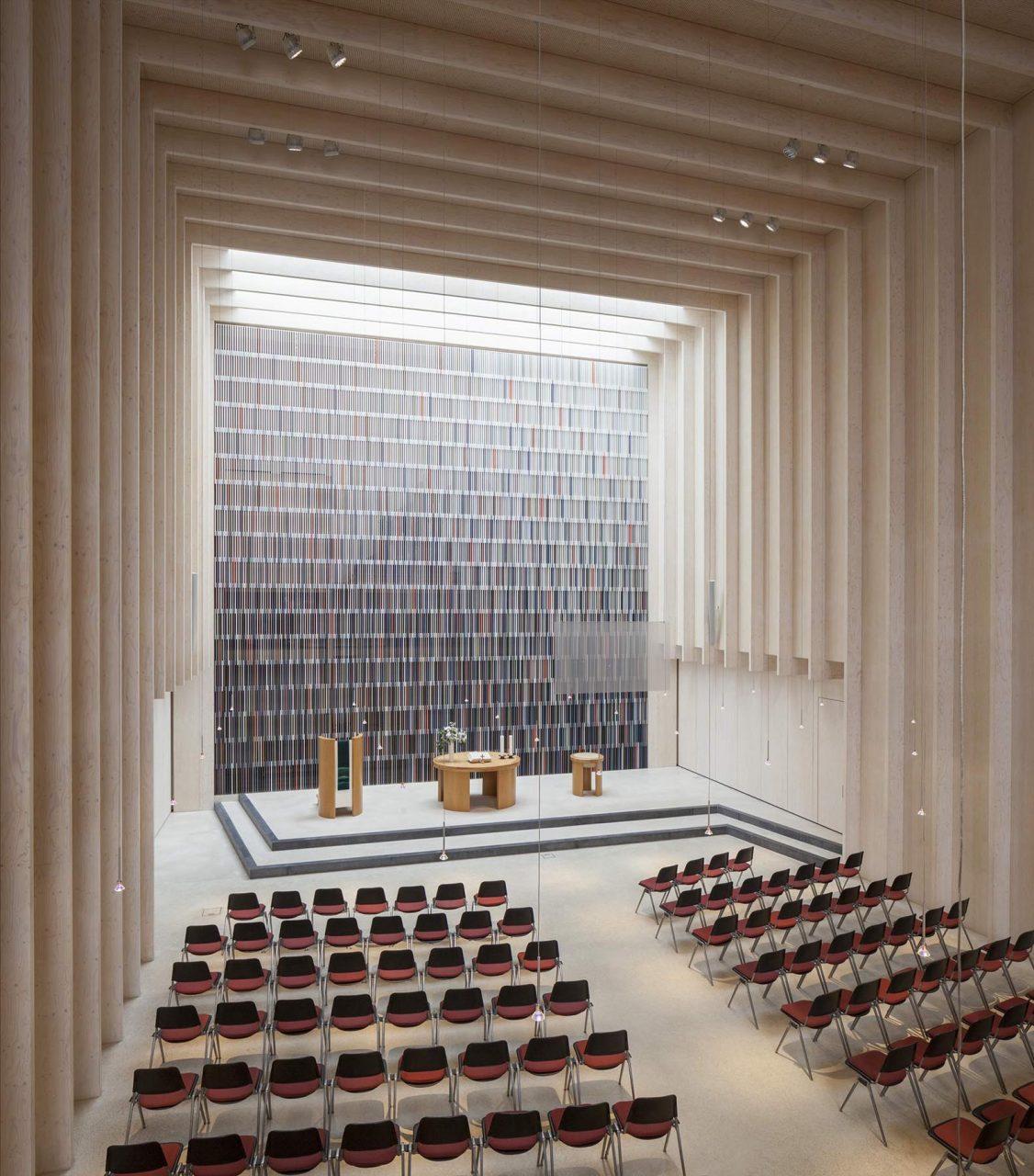 Immanuelkirche. Minimalistischer Innenraum