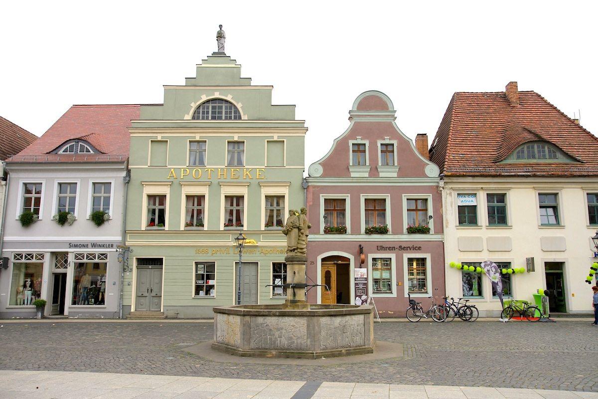 Altmarkt. Einst wichtiger Handelsplatz, ursprünglich mit Fachwerkhäusern umbaut.