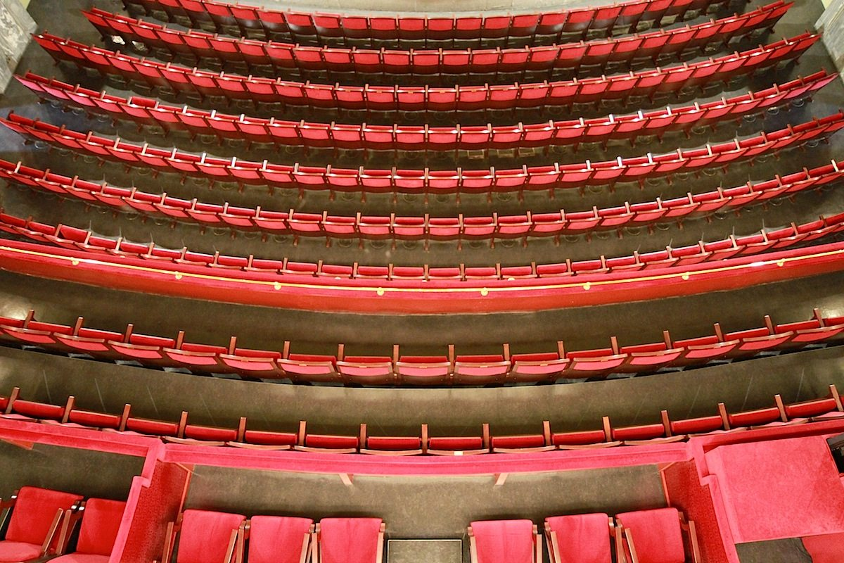 Staatstheater Cottbus, Großes Haus. ... mit einem Fassungsvermögen von 620 Zuschauern.