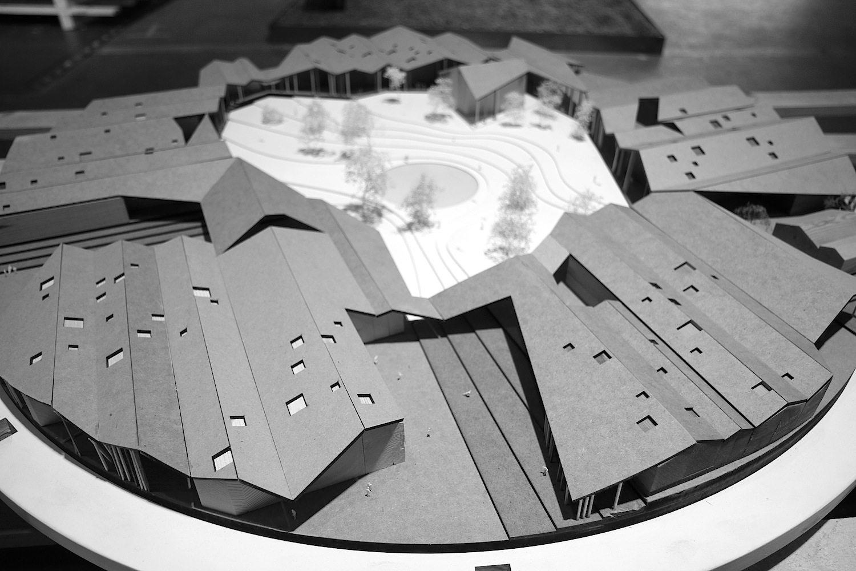 """Rising Architecture Week. Teil des Programms war das """"Speed dating"""". Vor Journalisten, Bloggern und Fachleuten konnten sich ausgewählte dänische Architekturbüros präsentieren. Neben Arkitema, C.F.Møller, Schønherr, Schmidt Hammer Lassen, SMAK auch CEBRA mit ihrem Schulneubauprojekt in Sibiren."""