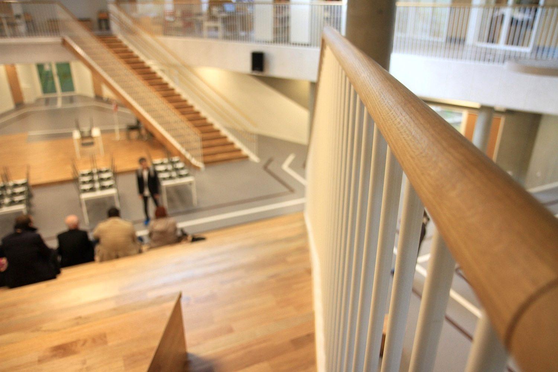 Skovbakkeskolen, Odder. ... dem Fokus auf physischen Aktivitäten, der durch die Architektur ...