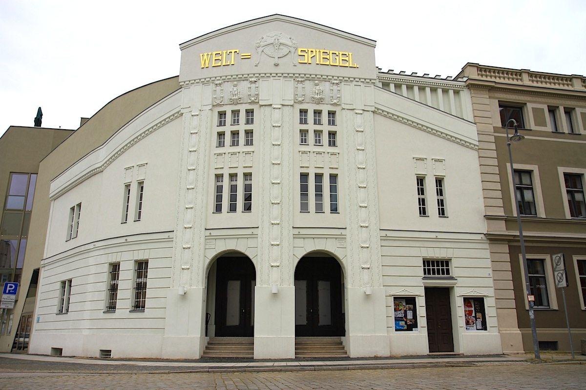 Weltspiegel. Entworfen vom Cottbuser Architekten Paul Thiel. Fertigstellung: 1910.
