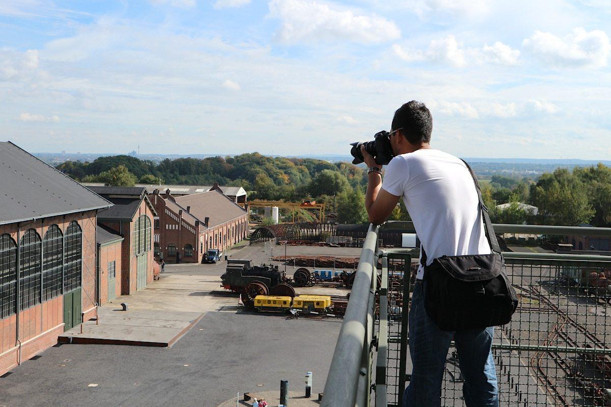 Fotograf. Dronenmäßige Höhe mit Jan Dimog von THE LINK