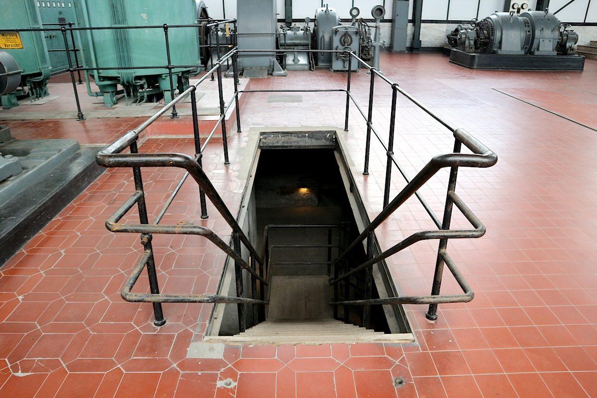 Untertage. Im Keller der Maschinenhalle ist eine Dauerausstellung über den Untertage-Bergbau eingerichtet.