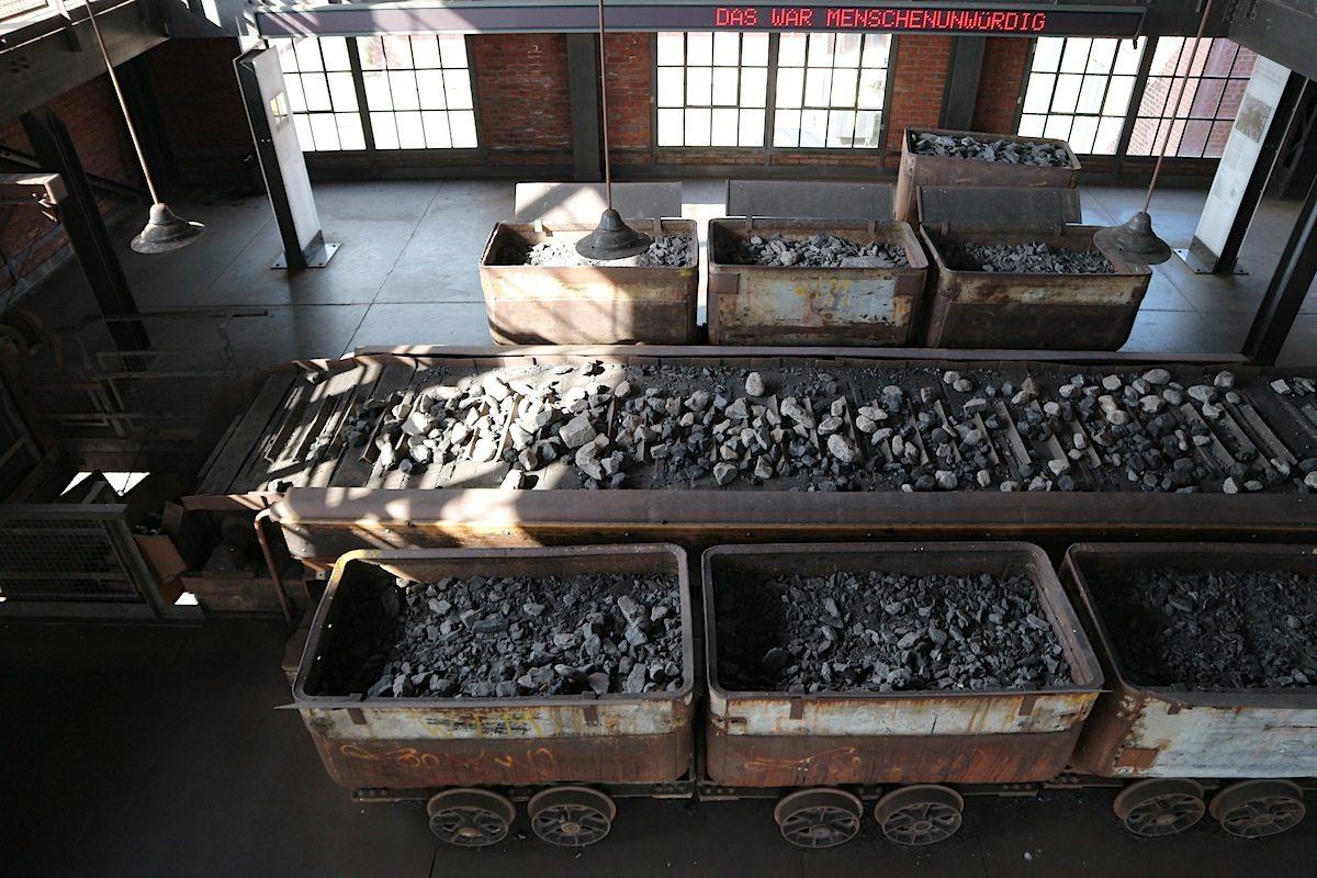 Erinnerung. an die menschenunwürdigen Arbeitsverhältnisse in (aber nicht nur) der Dauerausstellung der Maschinenhalle.