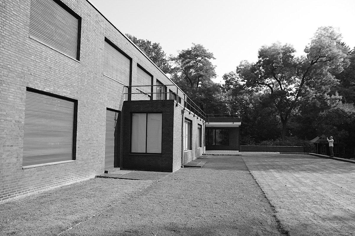 Haus Esters. Beide Häuser sind heute im Besitz der Stadt und Teil der Kunstmuseen Krefeld.