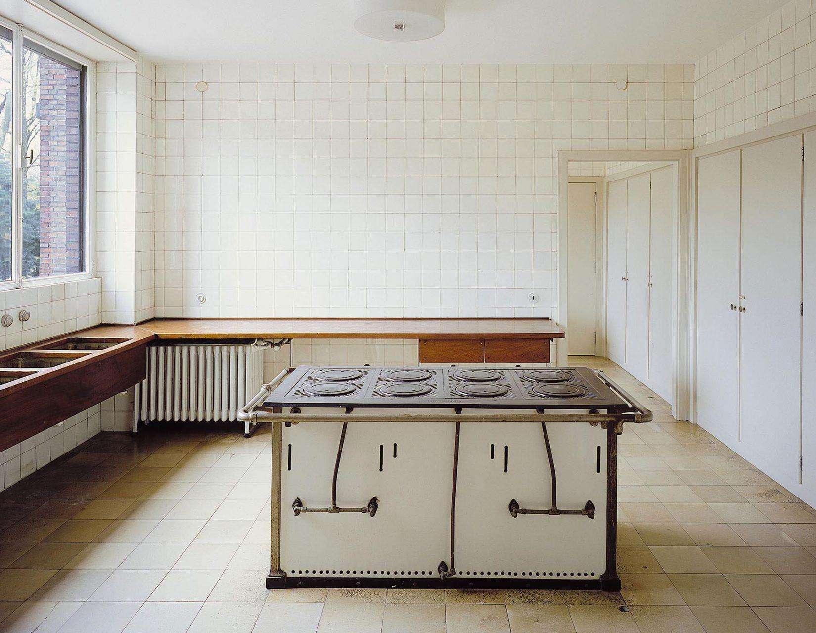 Haus Lange. Küche mit Einbaumöbeln