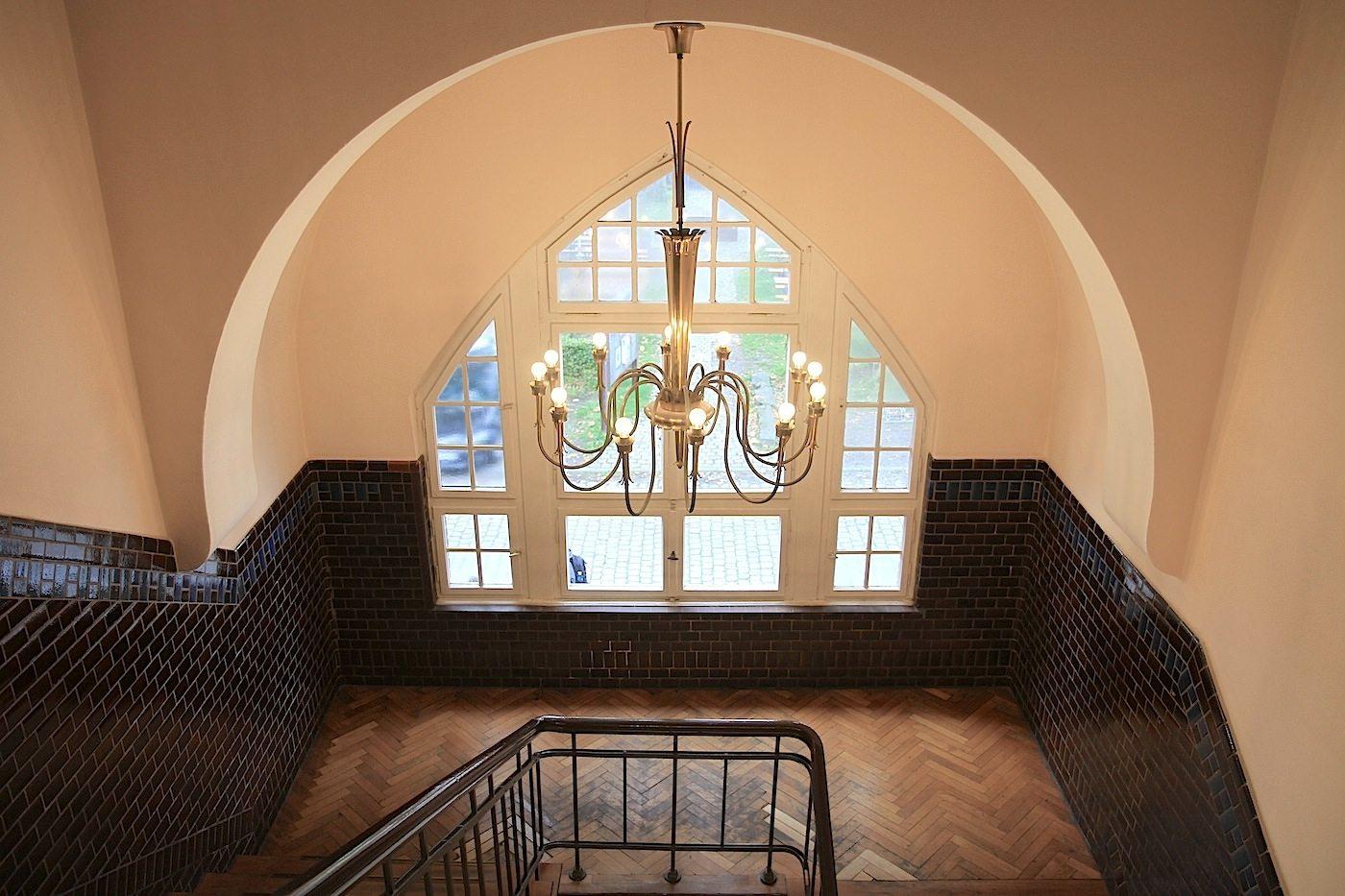 Alte Lohnhalle. Das Treppenhaus des Hotels