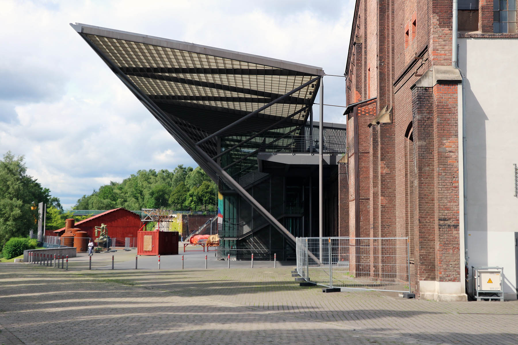 Jahrhunderthalle.  Revitalisierung und Erweiterung durch Petzinka Pink Architektur.