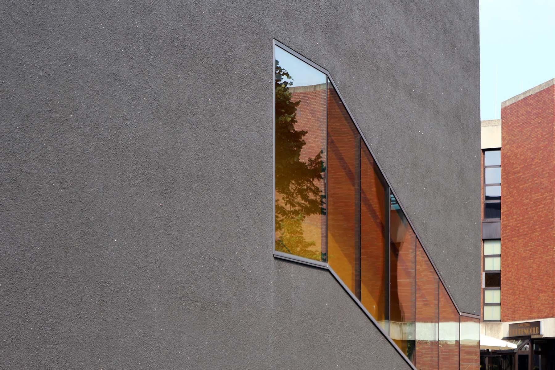 Deutsches Bergbau Museum. Die niederländischen Architekten Jan Benthem und Mels Crouwel gründeten ihr Büro 1979.