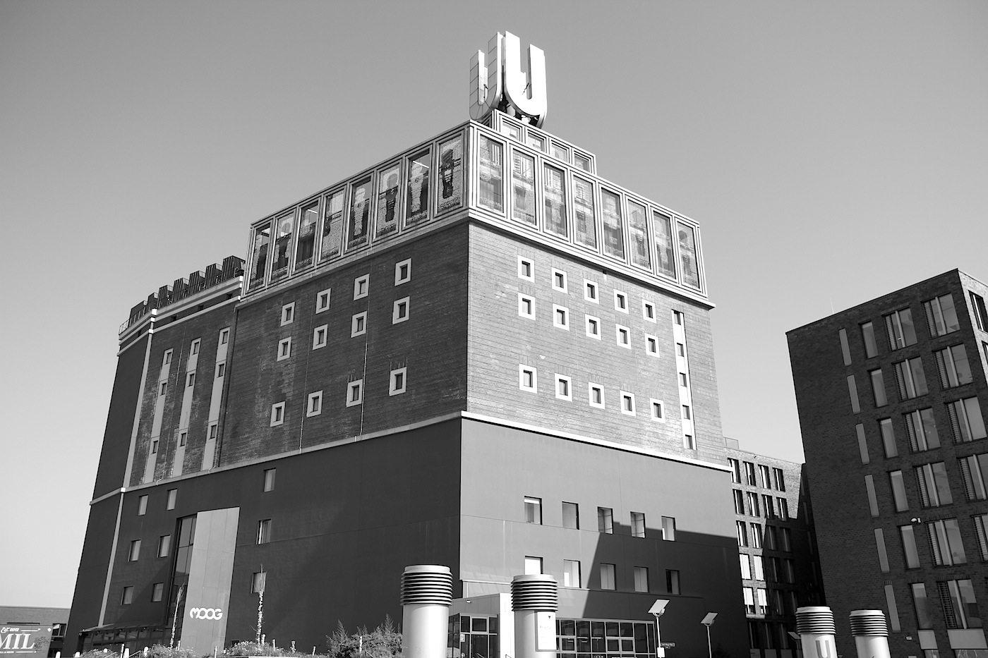 Dortmunder U. Ehemalige Brauerei. Entwurf: Emil Moog. Fertigstellung: 1927. Saniert und umgebaut durch Gerber Architekten, 2010.