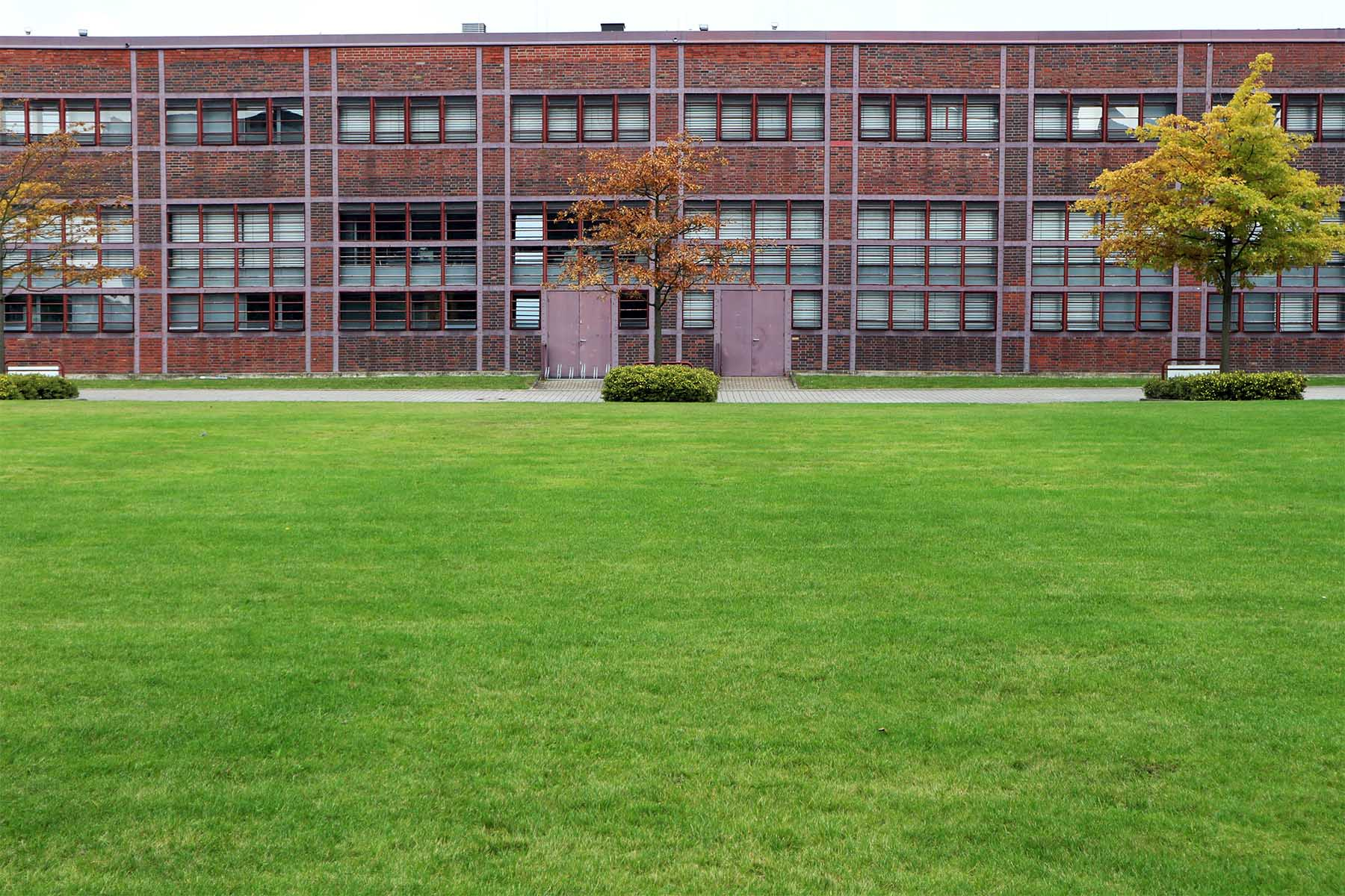 Nordsternpark.  Der Park ist Teil der Zeche Nordstern, die nach der Stilllegung 1993 umfassend saniert wurde. Eine Landmarke, die für die Transformation der Metropole Ruhr steht.