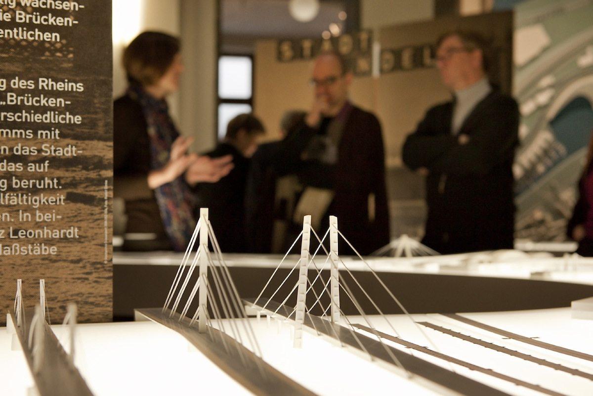 """Dynamik und Wandel. Die Entwicklung der Städte am Rhein 1910-2010+. Exhibition design by jangled nerves, Stuttgart, who were also responsible for """"Architektur im Aufbruch"""""""