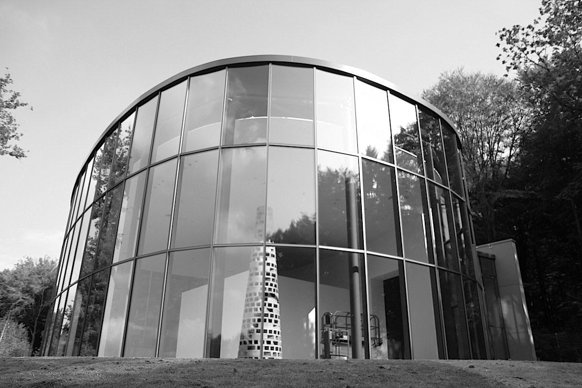 Skulpturenpark Waldfrieden. Ausstellungshalle, Architekt Hoppe, eröffnet Oktober 2017