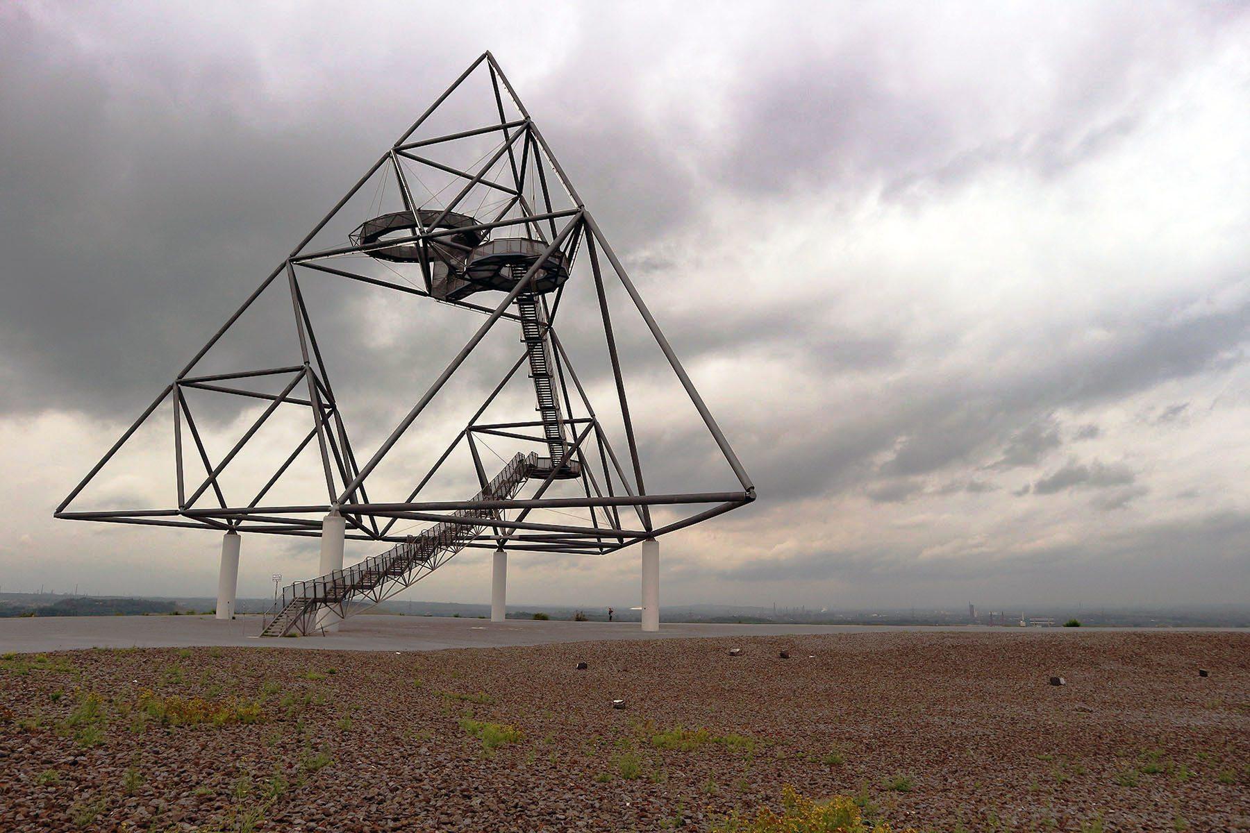 Tetraeder. ... ist damit eines der ältesten Halden-Konstruktionen auf der Route der Industriekultur.