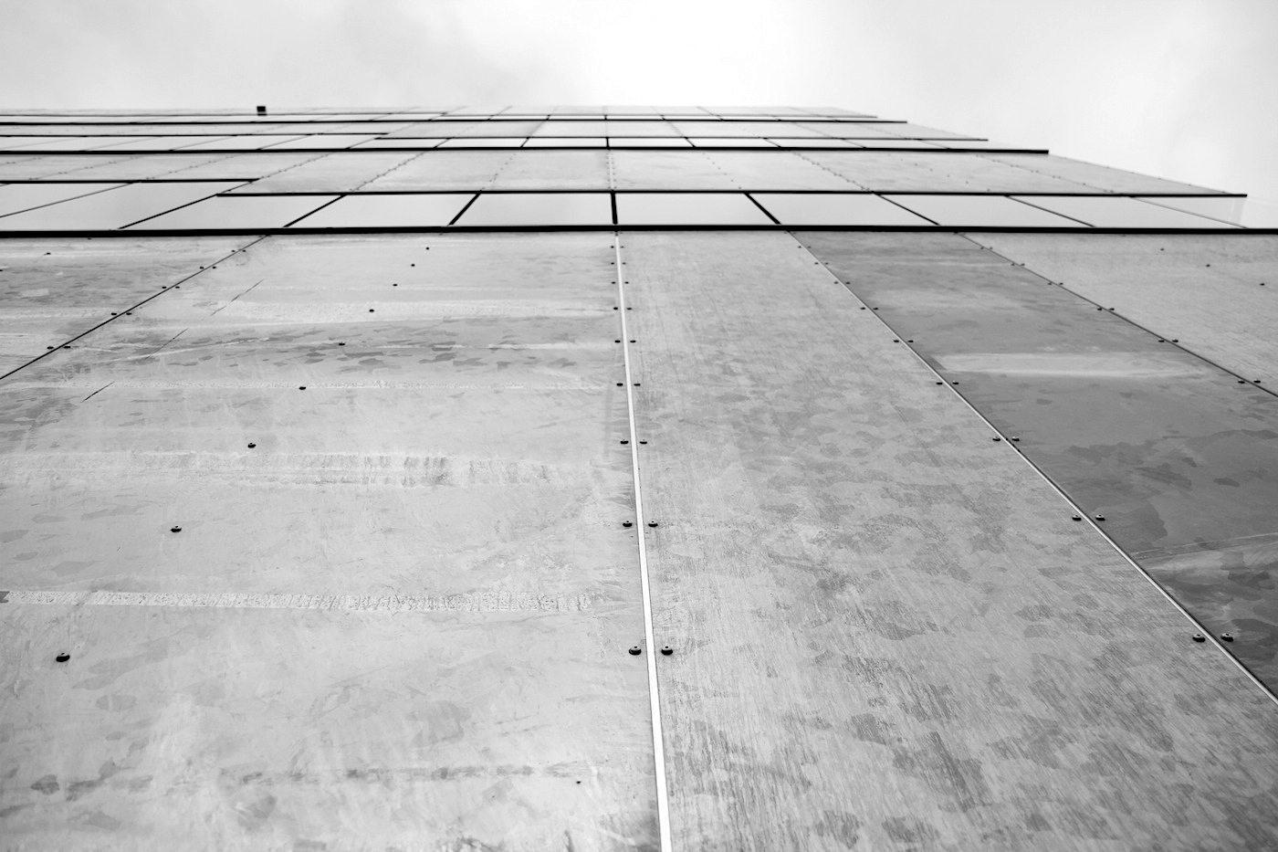 Zeche Zollverein. Der Entwurf stammt von MGF Architekten und Wenzel + Wenzel. Der Neubau ist Teil des 2001 von OMA konzipierten Masterplans mit der Bebauung der Randbereiche des 100 Hektar großen Areals.