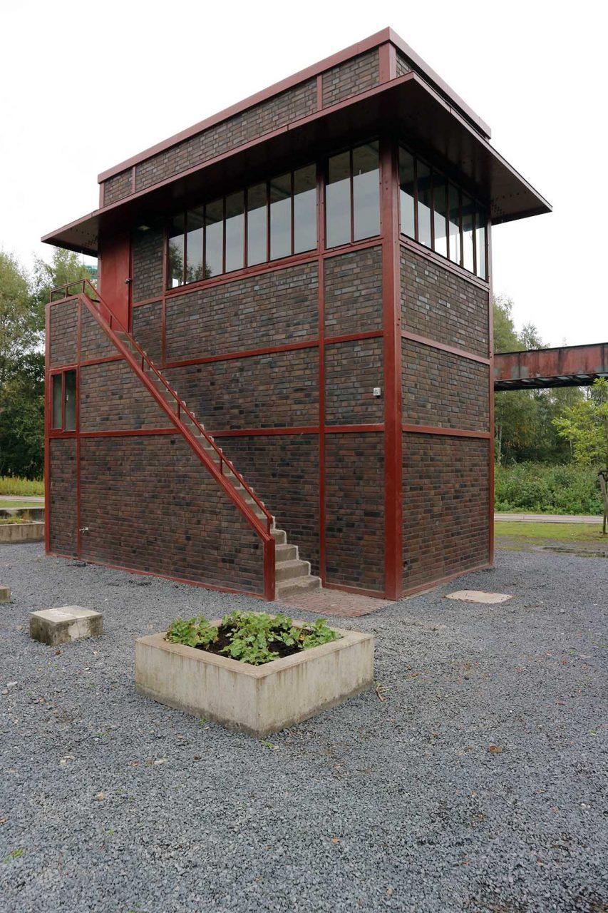 Zeche Zollverein. Der Färbergarten Zollverein ist ein Kooperationsprojekt der Stiftung Zollverein, des Ruhr Museums und der global agierenden Netzwerkinitiative sevengardens.