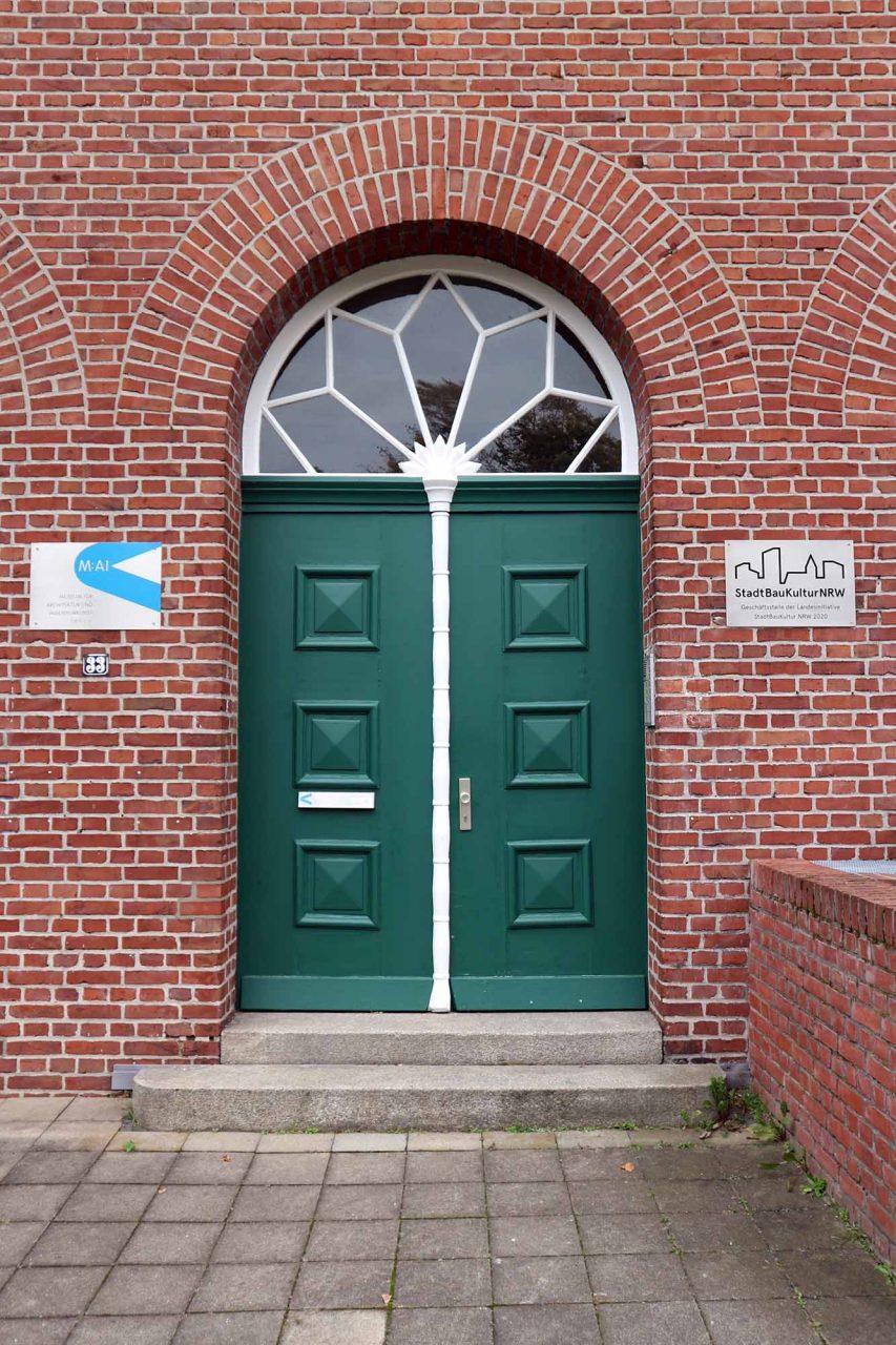Ehemalige Telefonzentrale und Trafohaus. der Zeche Rheinelbe