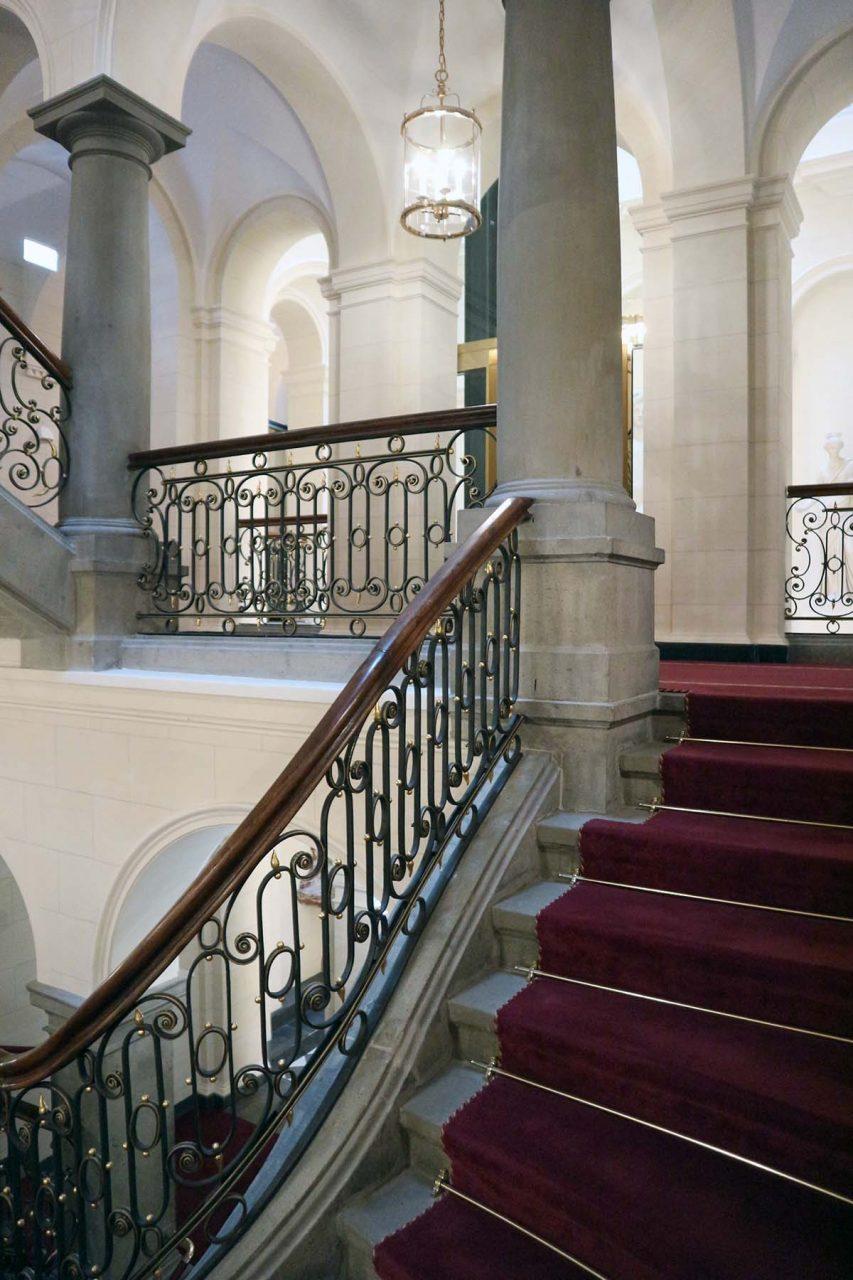 Derag Livinghotel De Medici. Das Treppenhaus im Renaissancestil