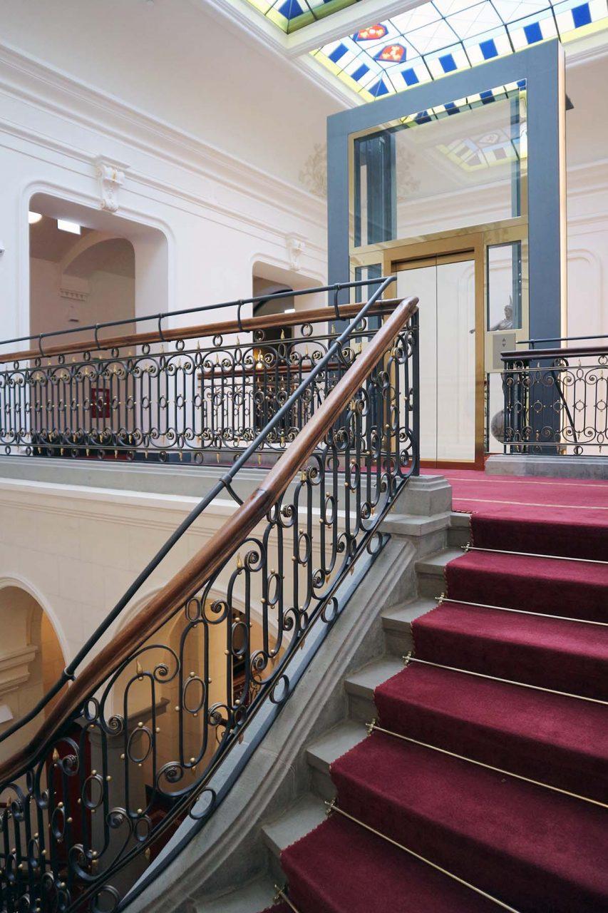 Derag Livinghotel De Medici.  Historie und Funktionalität im Treppenhaus
