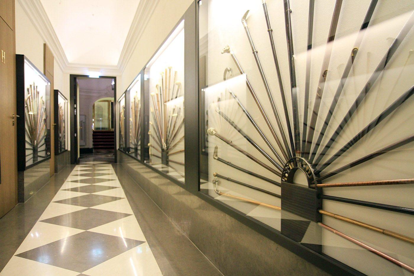 Derag Livinghotel De Medici.  Spazierstocksammlung stammt Großteils aus dem 18. vor allem 19. Jahrhundert, der Epoche des Flaneurs