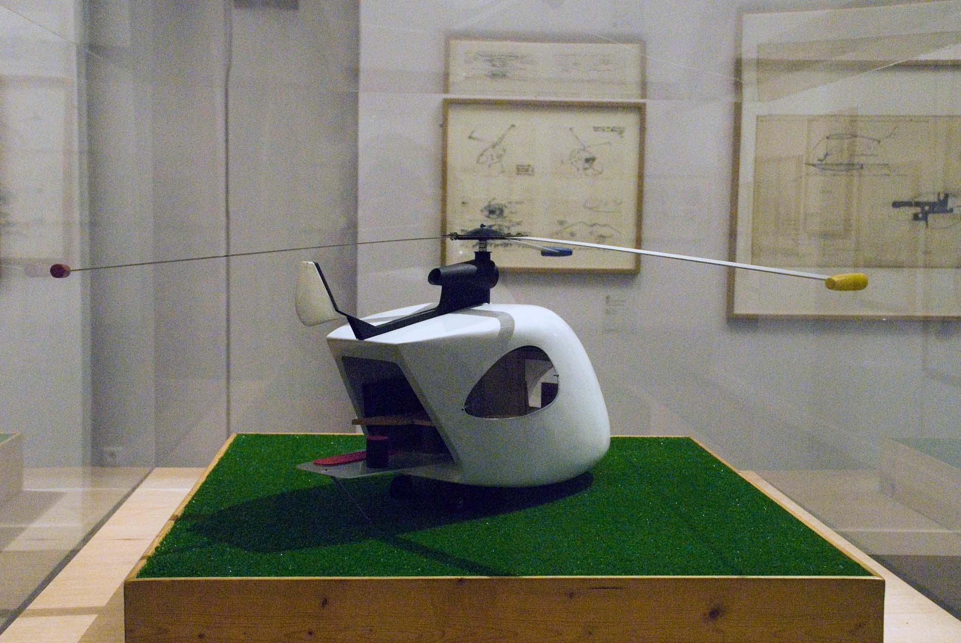 Les Tanneries. Hubschrauber als Wohnmobil