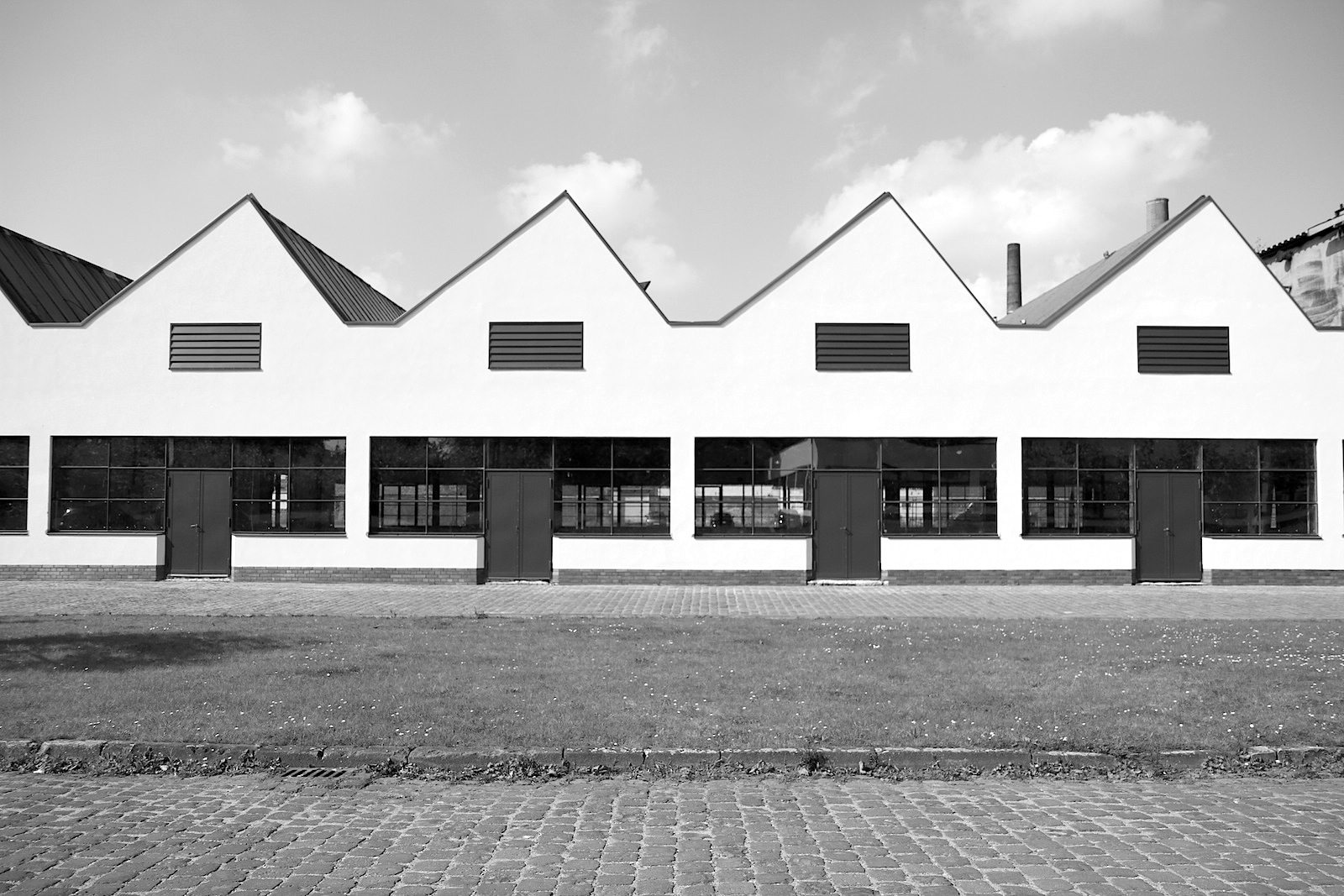 THE LINK to #urbanana: Bauhaus in Krefeld, 2/2