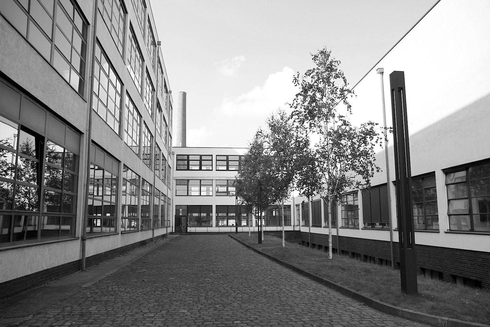 Mies van der Rohe Business Park. Für seinen Entwurf kombinierte Mies Funktionalität und Rationalität, Klarheit und ...