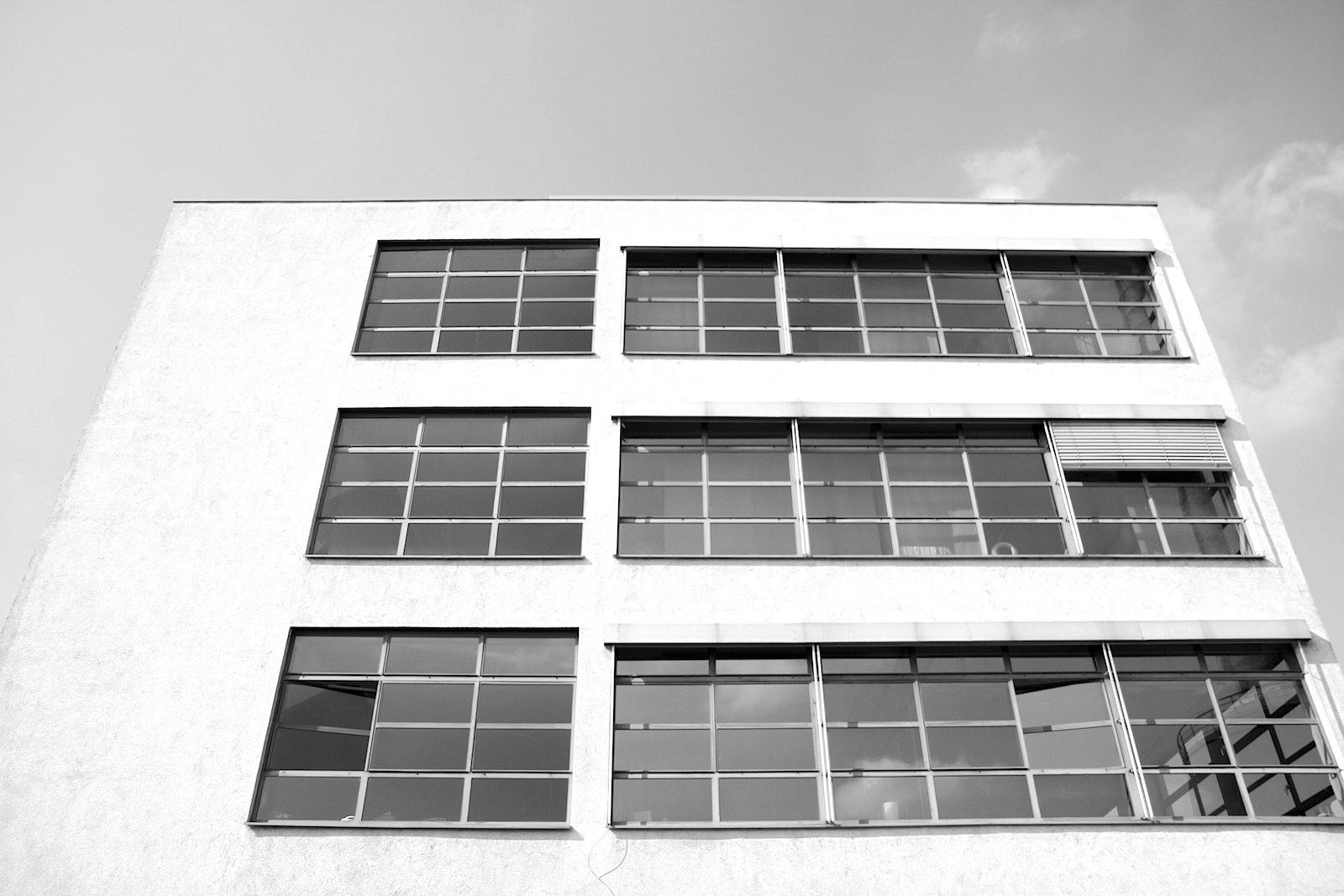 Mies van der Rohe Business Park. Für die Verseidag entwarf Mies das He-Gebäude (= Herren-Futterstoffe) und die Färberei.
