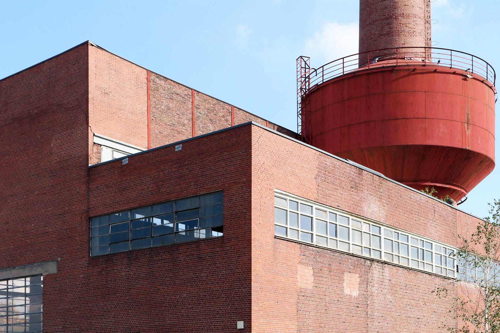 Mies van der Rohe Business Park. Böll war mit seinem Büro einer der Beteiligten bei der Transformation der Weltkulturerbestätte Zeche Zollverein.
