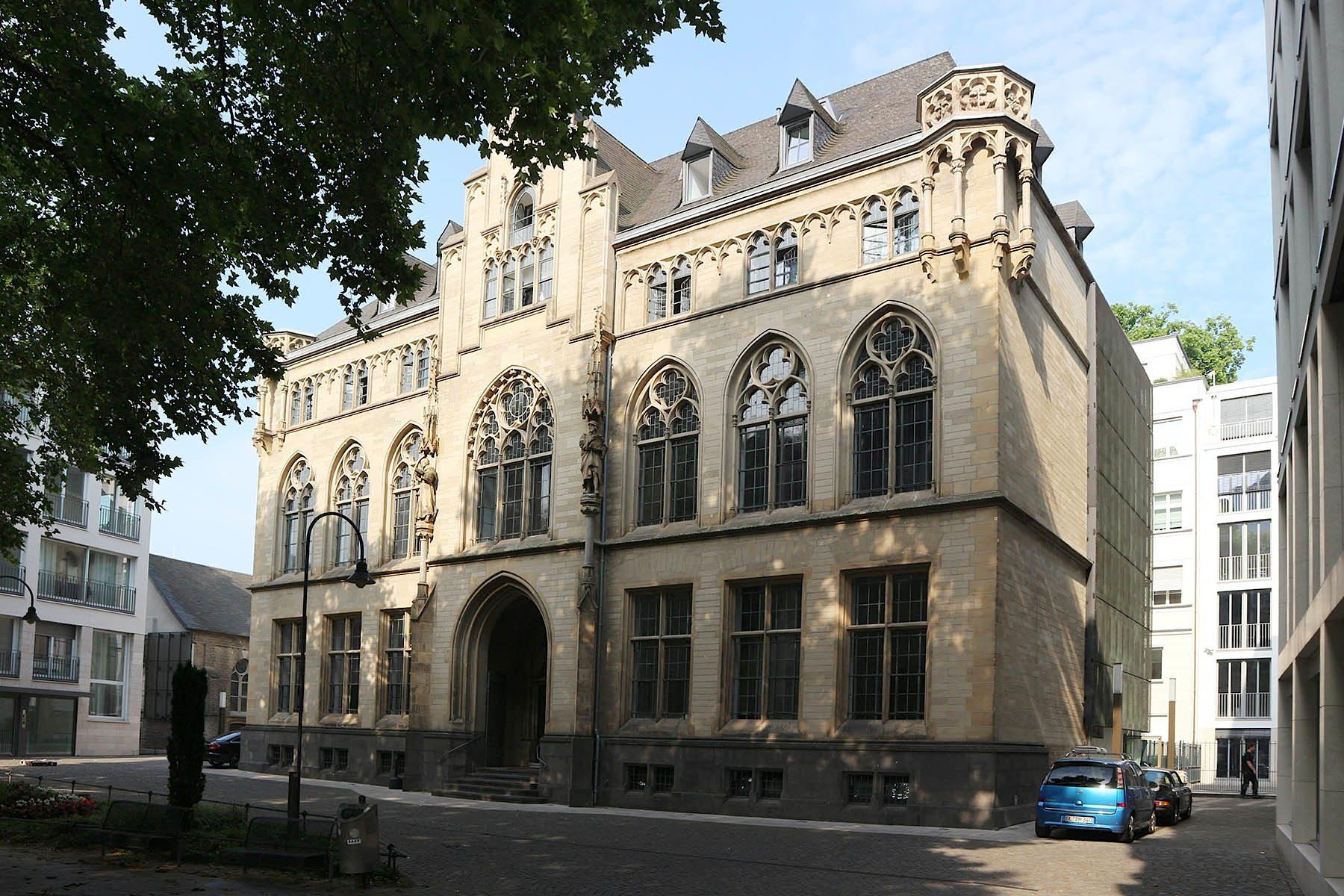 The Qvest Hotel. Das ehemalige Alte Stadtarchiv wurde 1897 fertiggestellt.