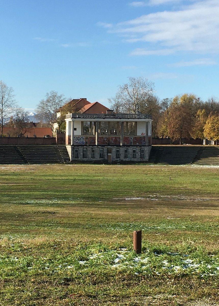 Stadion Bežigrad. Den Wettbewerb gewannen von Gerkan, Marg und Partner (gmp)