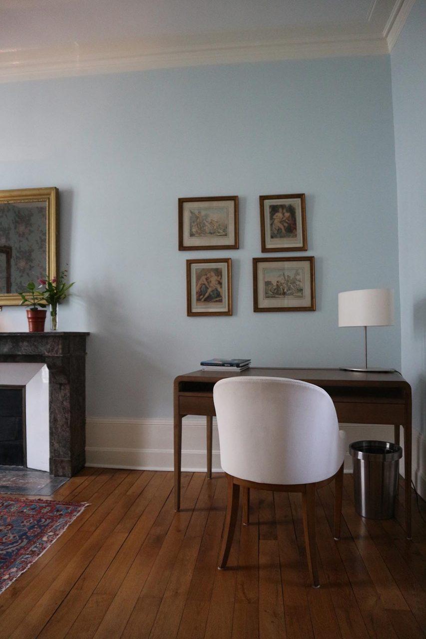 Chambre Léonard. Das Zimmer trägt den Namen des Universalgelehrten Leonardo Da Vinci.