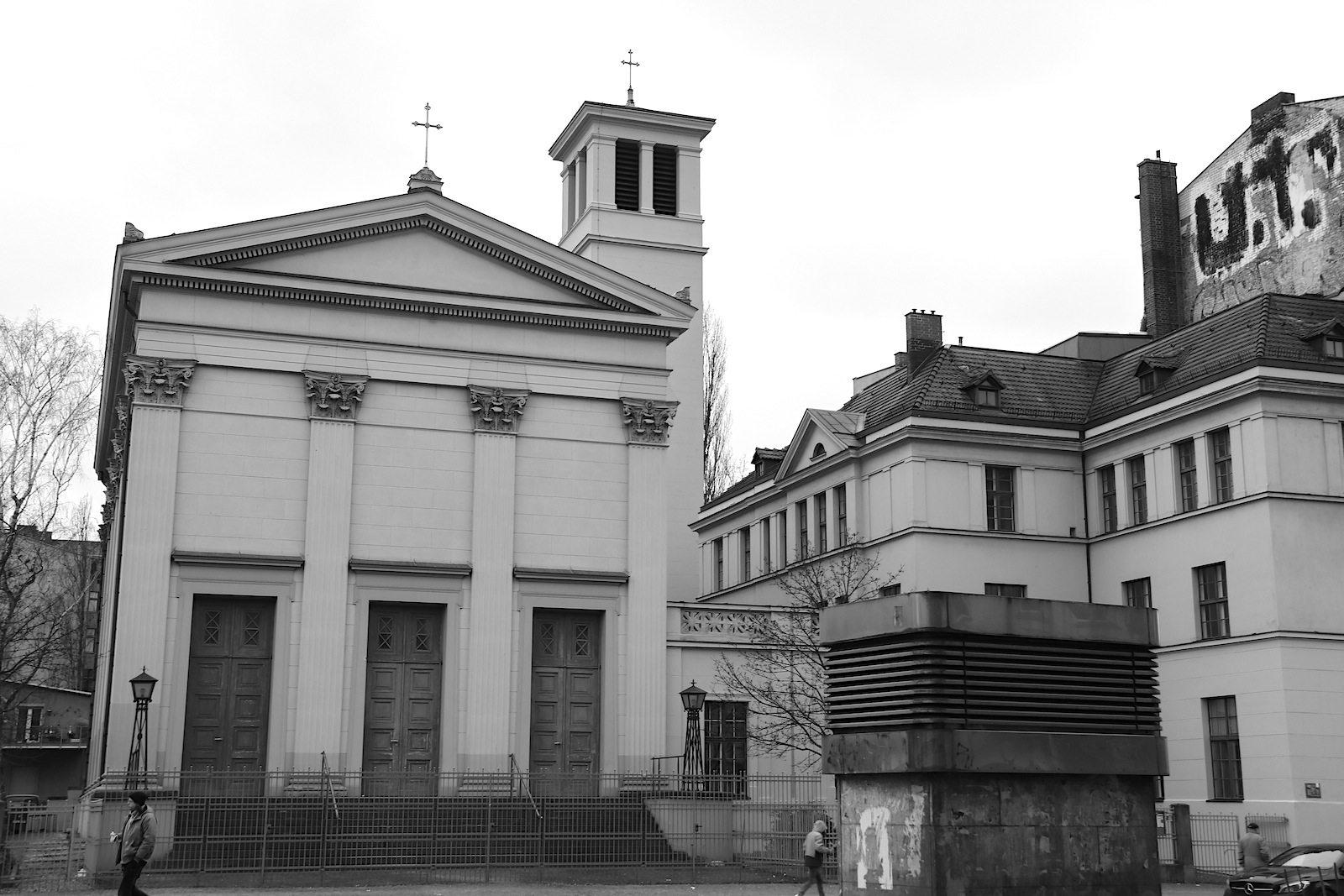 St. Pauls Kirche. von Karl Friedrich Schinkel (1835), im Zweiten Weltkrieg zerstört und 1957 von Hans Wolff-Grohmann wiederaufgebaut.
