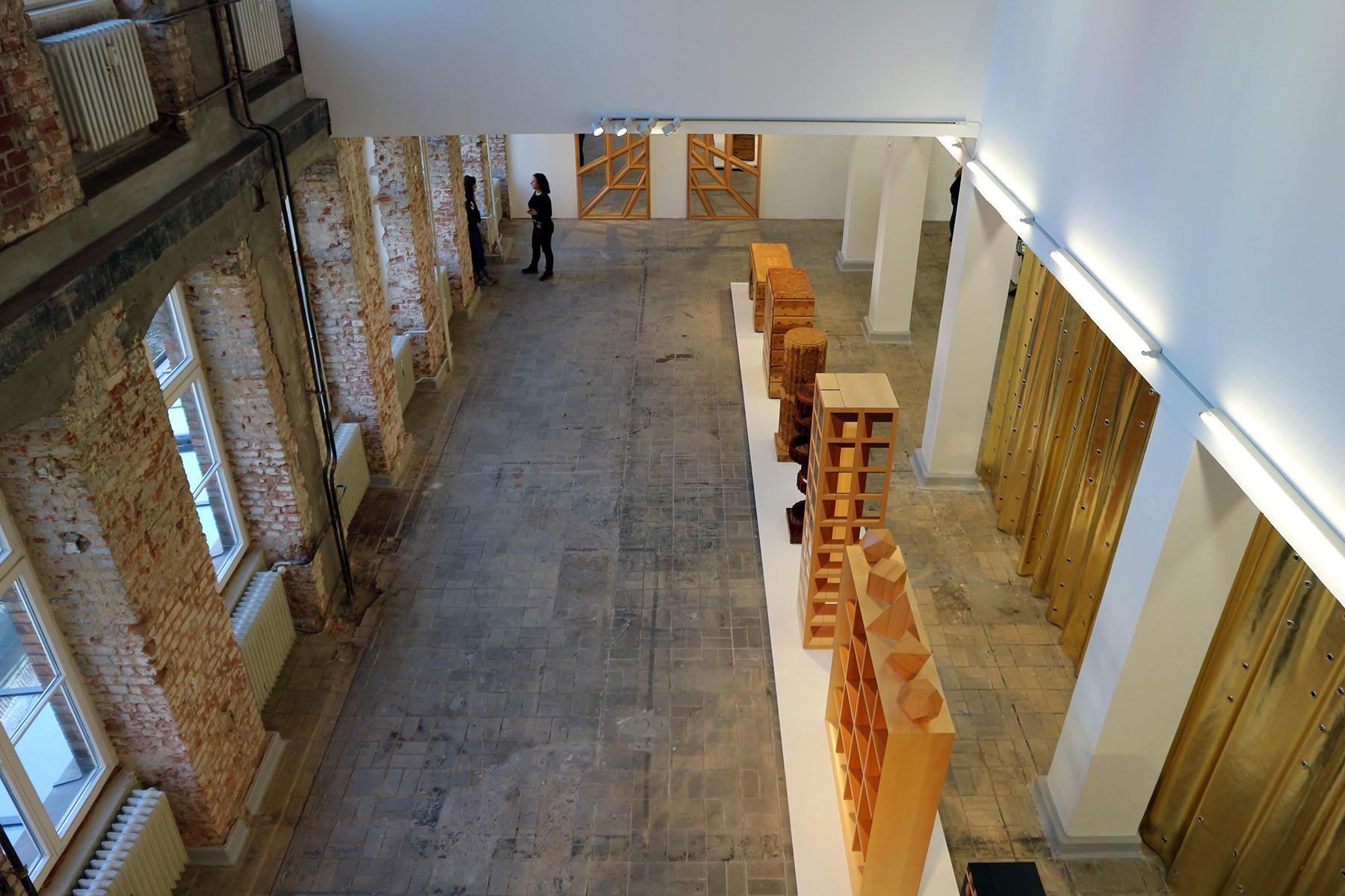 The Log-O-Rithmic Slide Rule: A Retrospective. Auf zwei Etagen sind Werke aus dem Privatarchiv der Haussmanns, aus der Privatsammlung Peter Rütlisberger und Hauptarbeiten aus der Sammlung des Museums für Gestaltung in Zürich zu sehen.