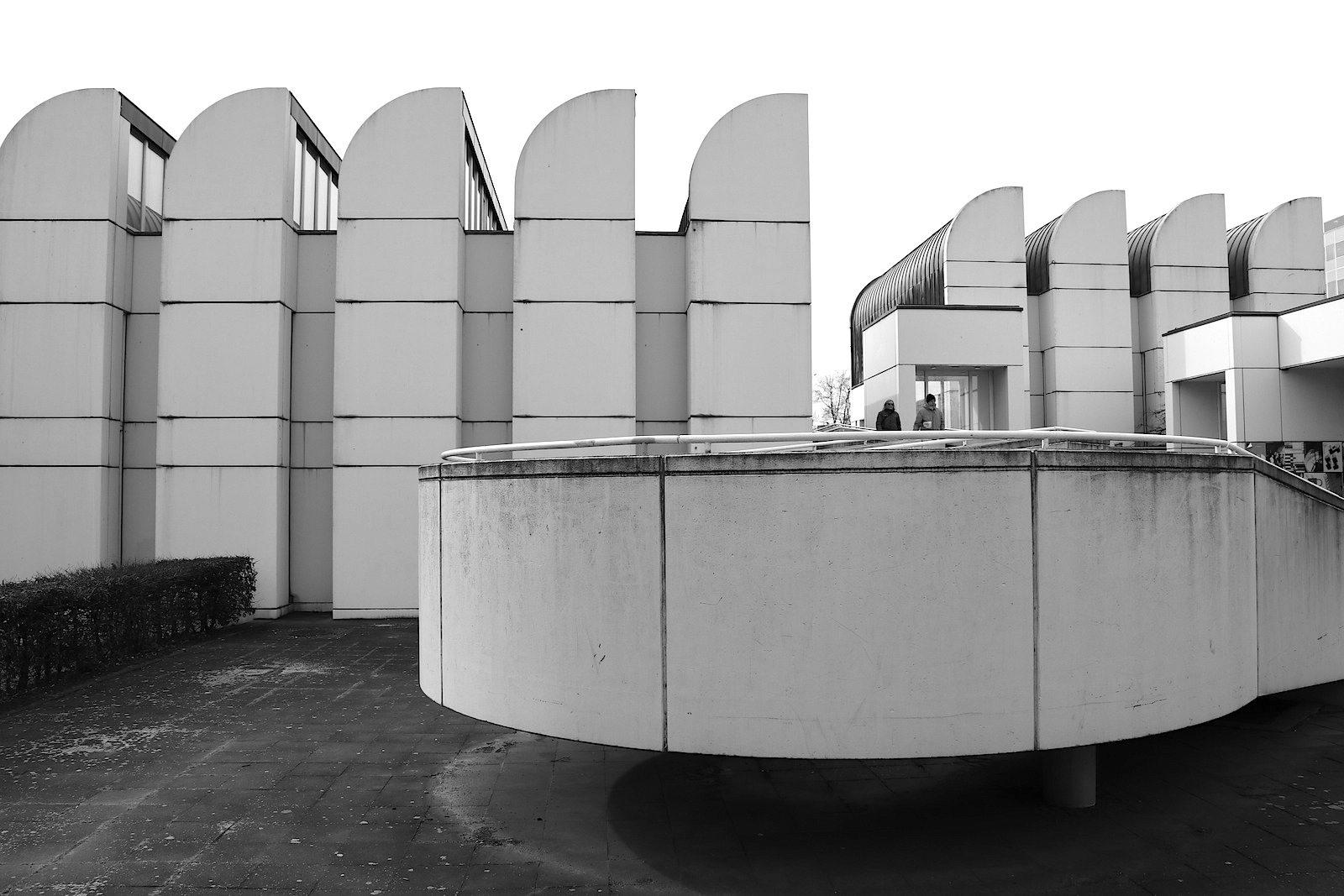 Bauhaus-Archiv / Museum für Gestaltung.  Es wird nach der Sanierung als Bibliothek und Bürobau genutzt.