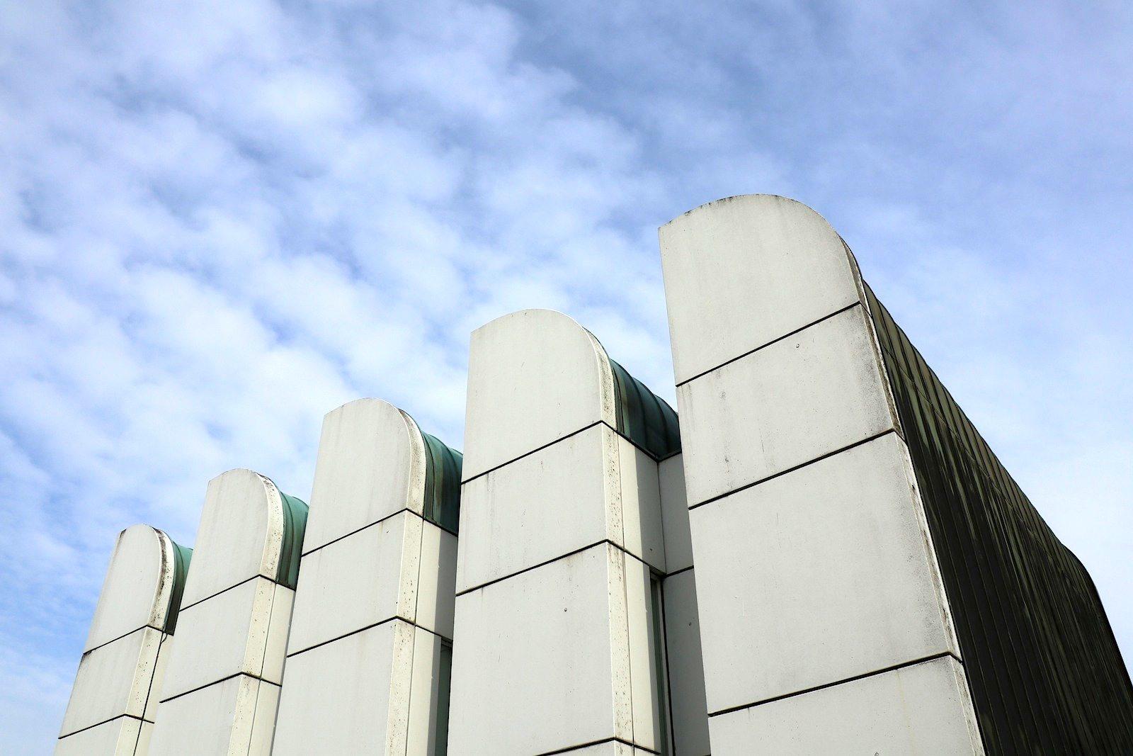 Bauhaus-Archiv / Museum für Gestaltung.  Zentrale Elemente werden der gläserne Turm und die stärkere Präsenz in der Umgebung sein. Geplante Fertigstellung: 2021.