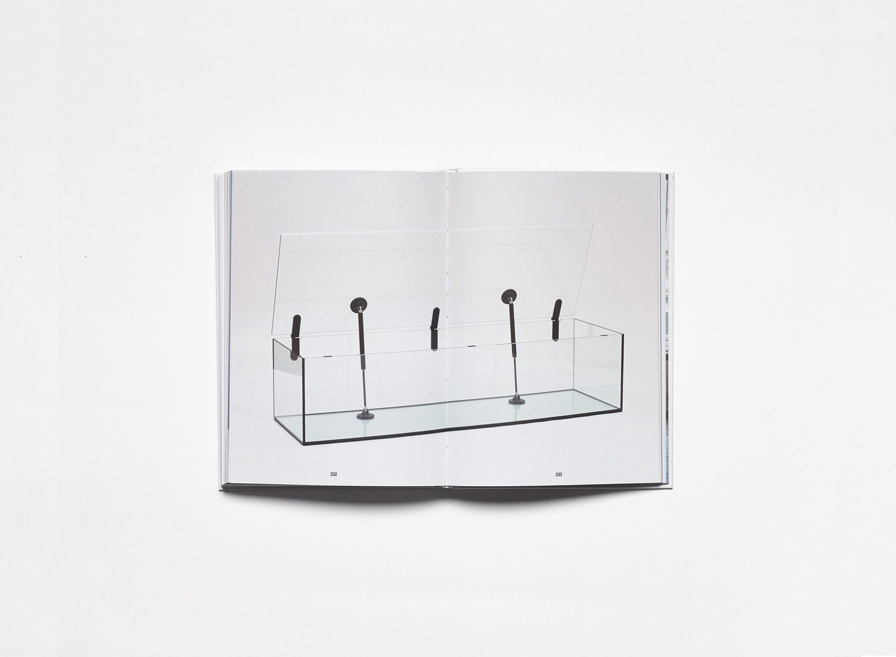 Antonia Henschel / Objects: Handle with Care.