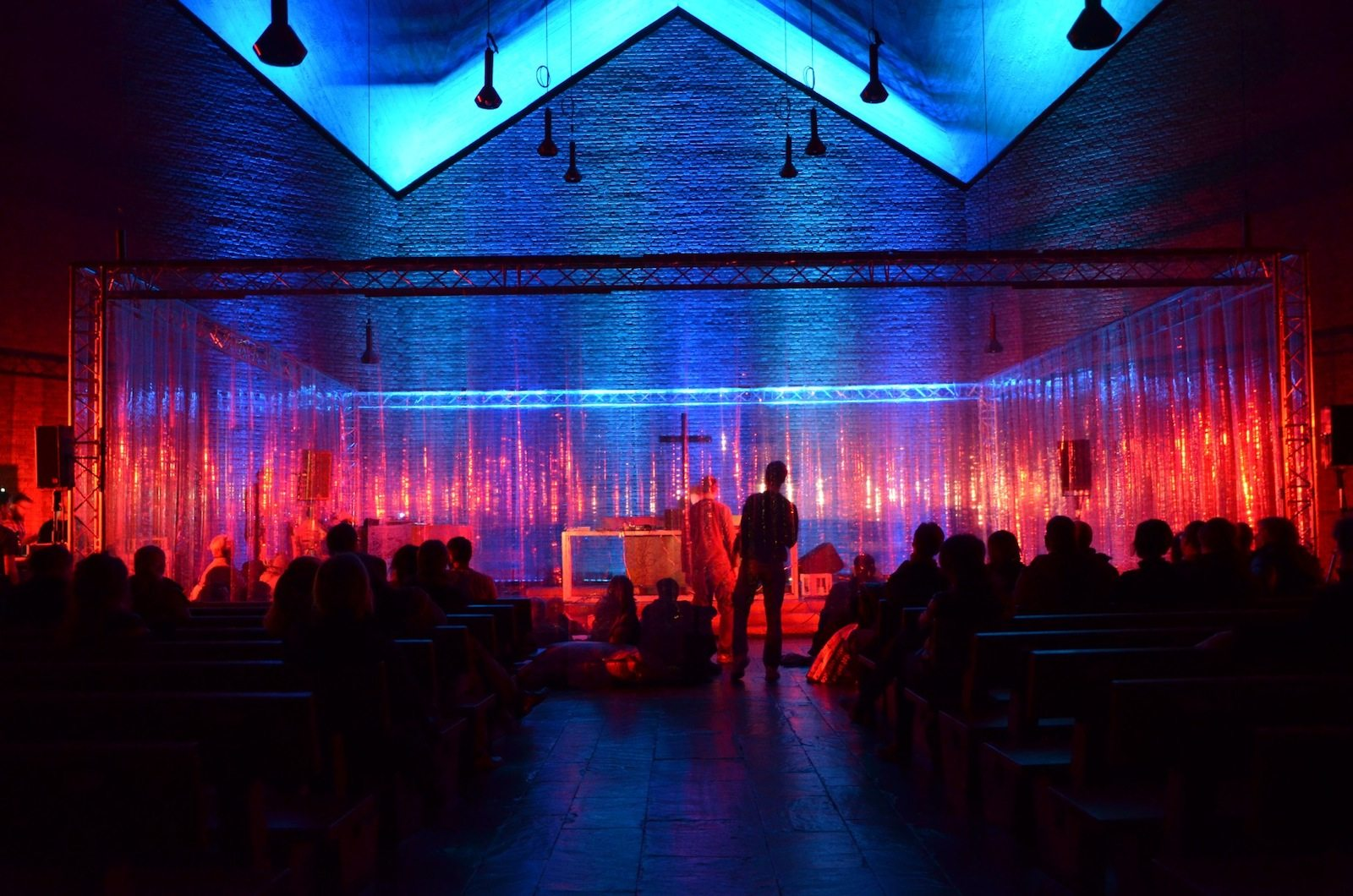Christuskirche.  Konzert mit Downliners Sekt