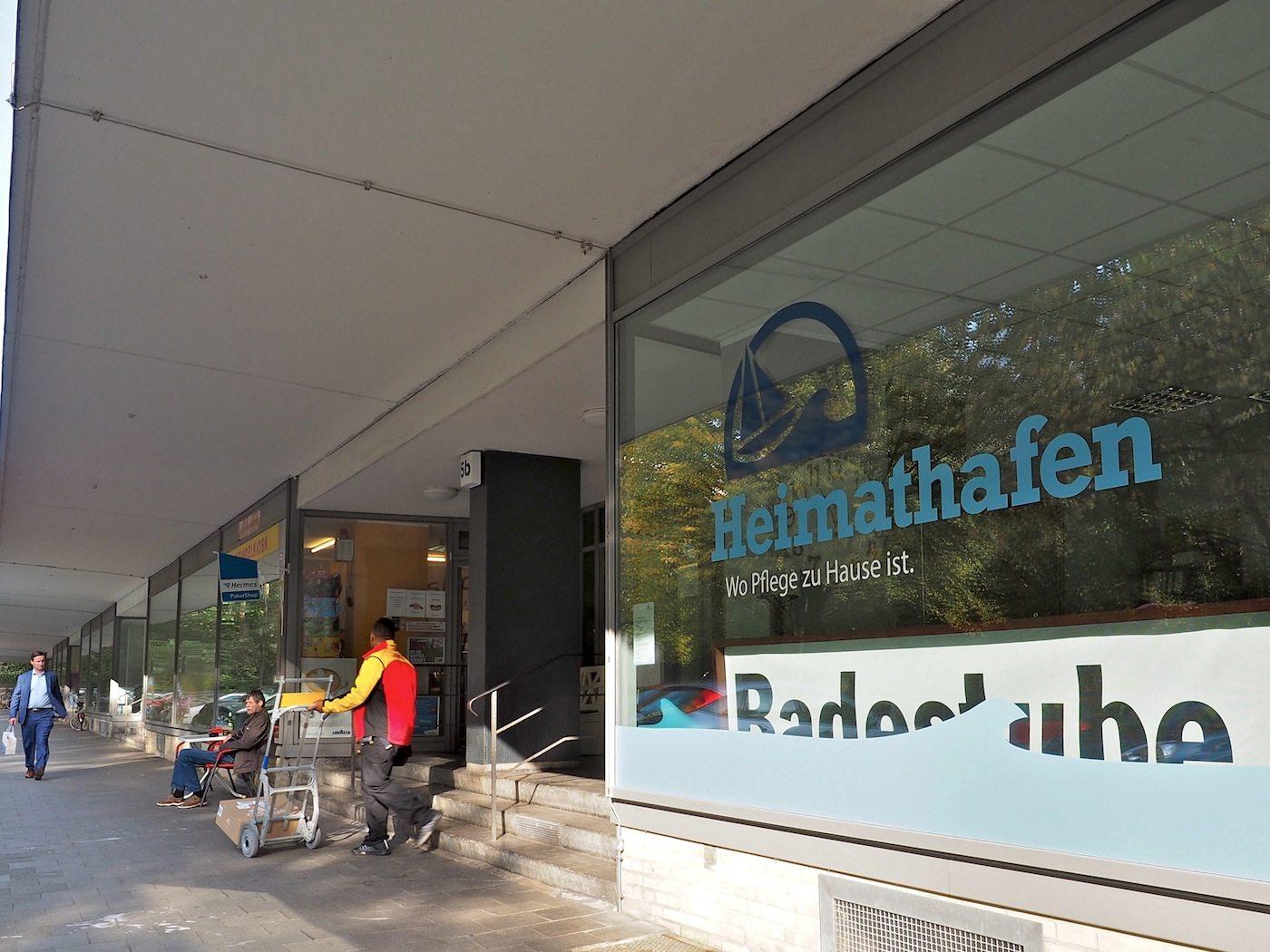 Neue Nutzer.. Neben Architekten, Galerien und Agenturen haben sich viele soziale Dienste in den früheren Läden der Bäcker, Schlachter oder Radiohändler eingerichtet. Als tägliche Anlaufstelle dient alleine noch der Kiosk in der Hallerstraße 5.