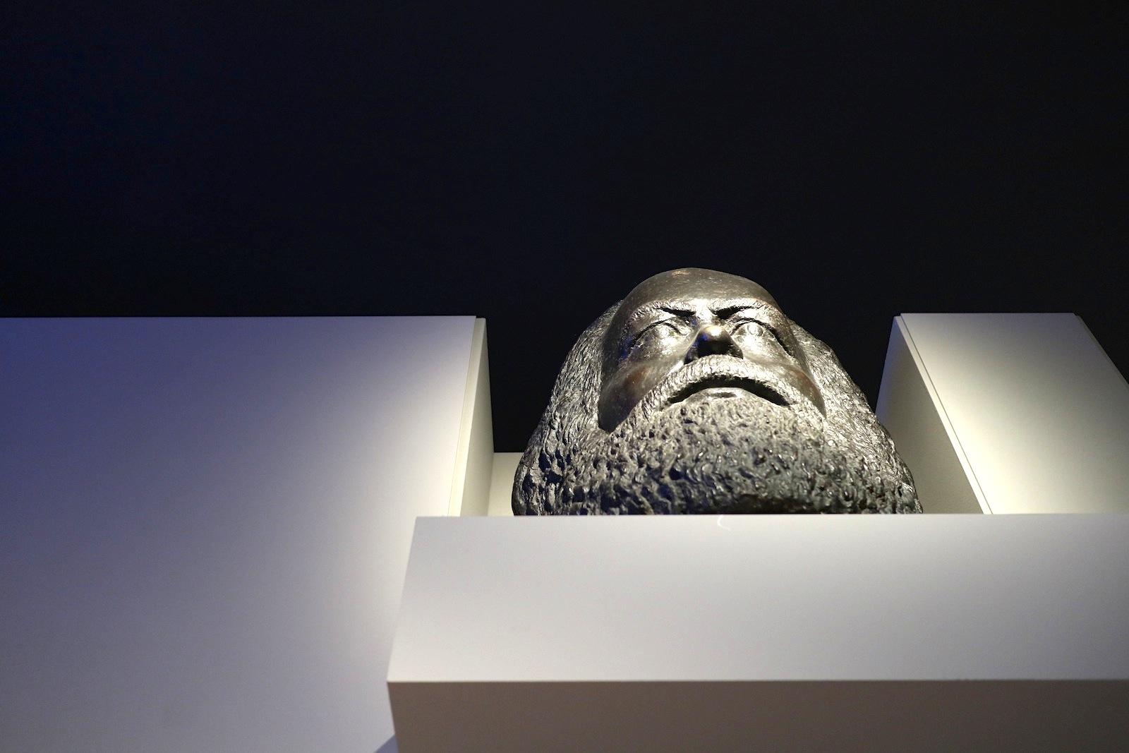 Museum in der Kulturbrauerei. Karl Marx-Büste